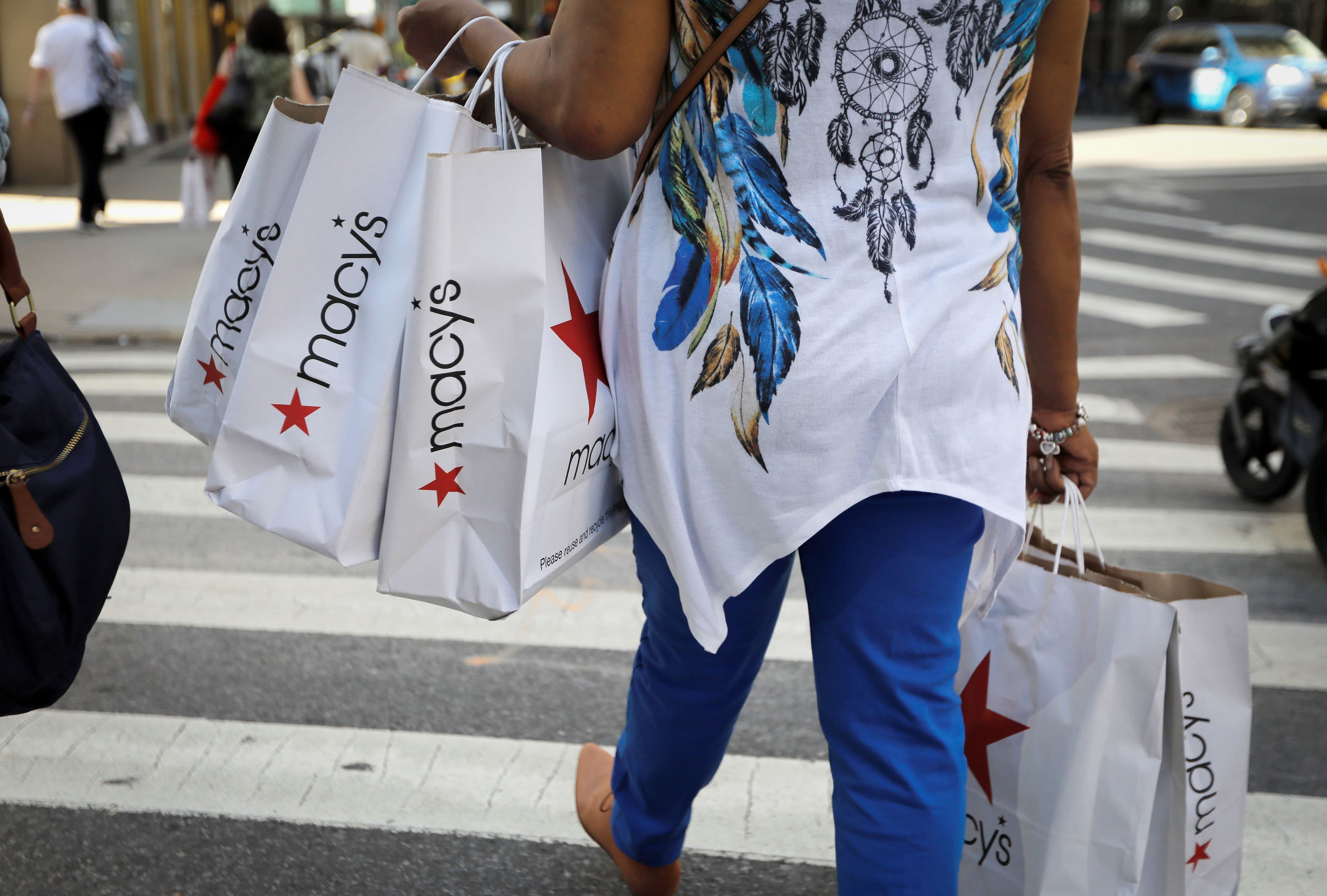 U.S. retail sales miss expectations in October – CNBC