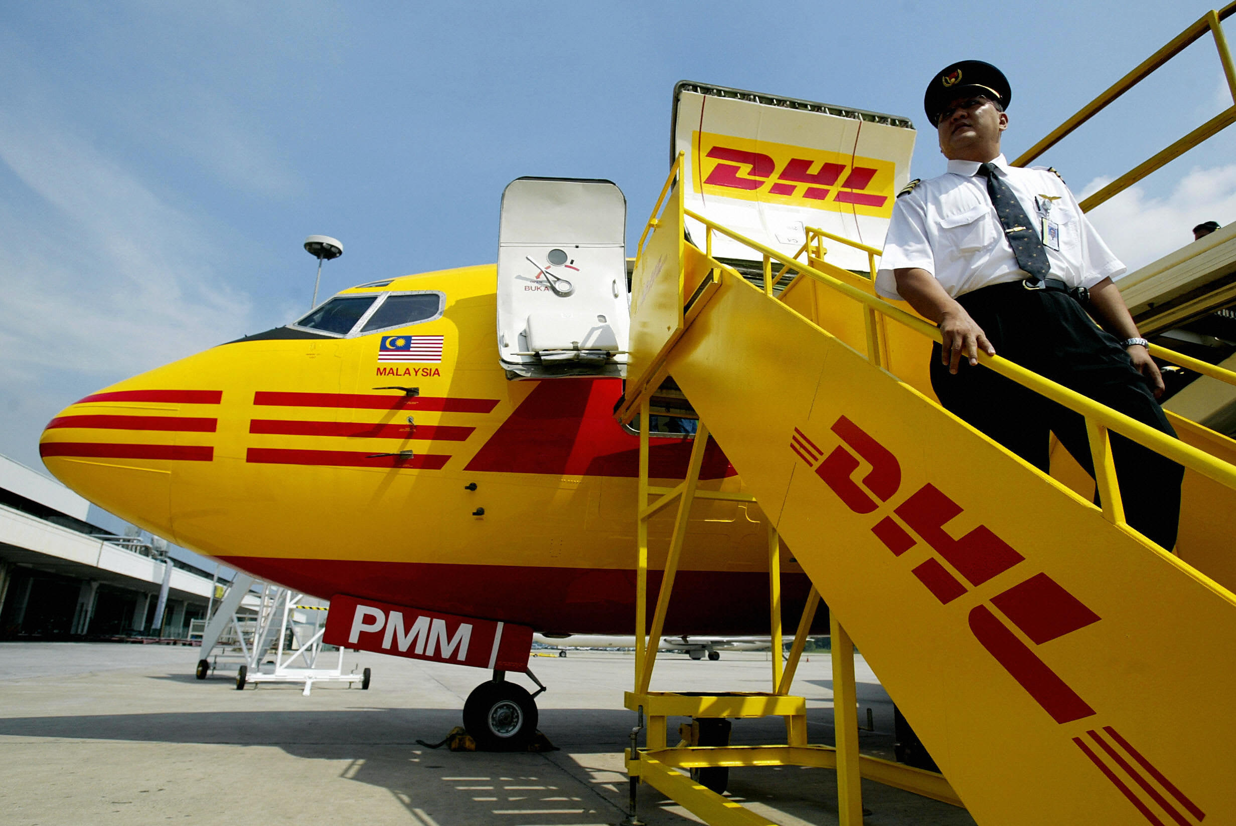 Lacking passengers, regional airline Mesa Air to start flying DHL cargo