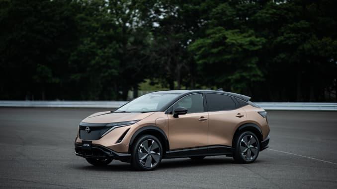 H/O: Nissan Ariya (embargoed until 1:15 AM EDT JULY 15, 2020)