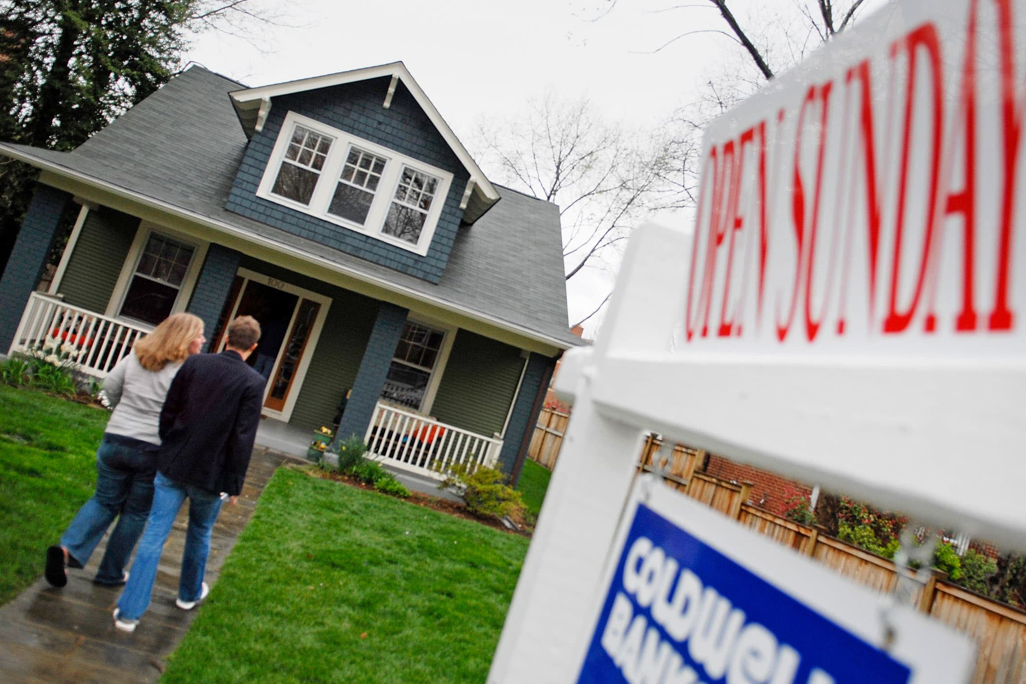 Bidding wars, lack of houses and desperate buyers: How to navigate buying a home this spring