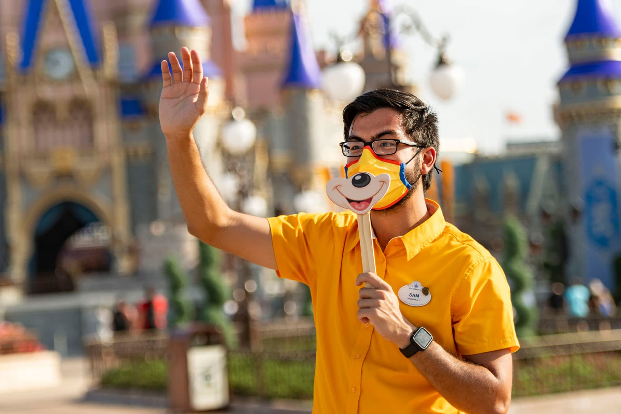 Walt Disney World actors to return to work after company offers coronavirus tests thumbnail