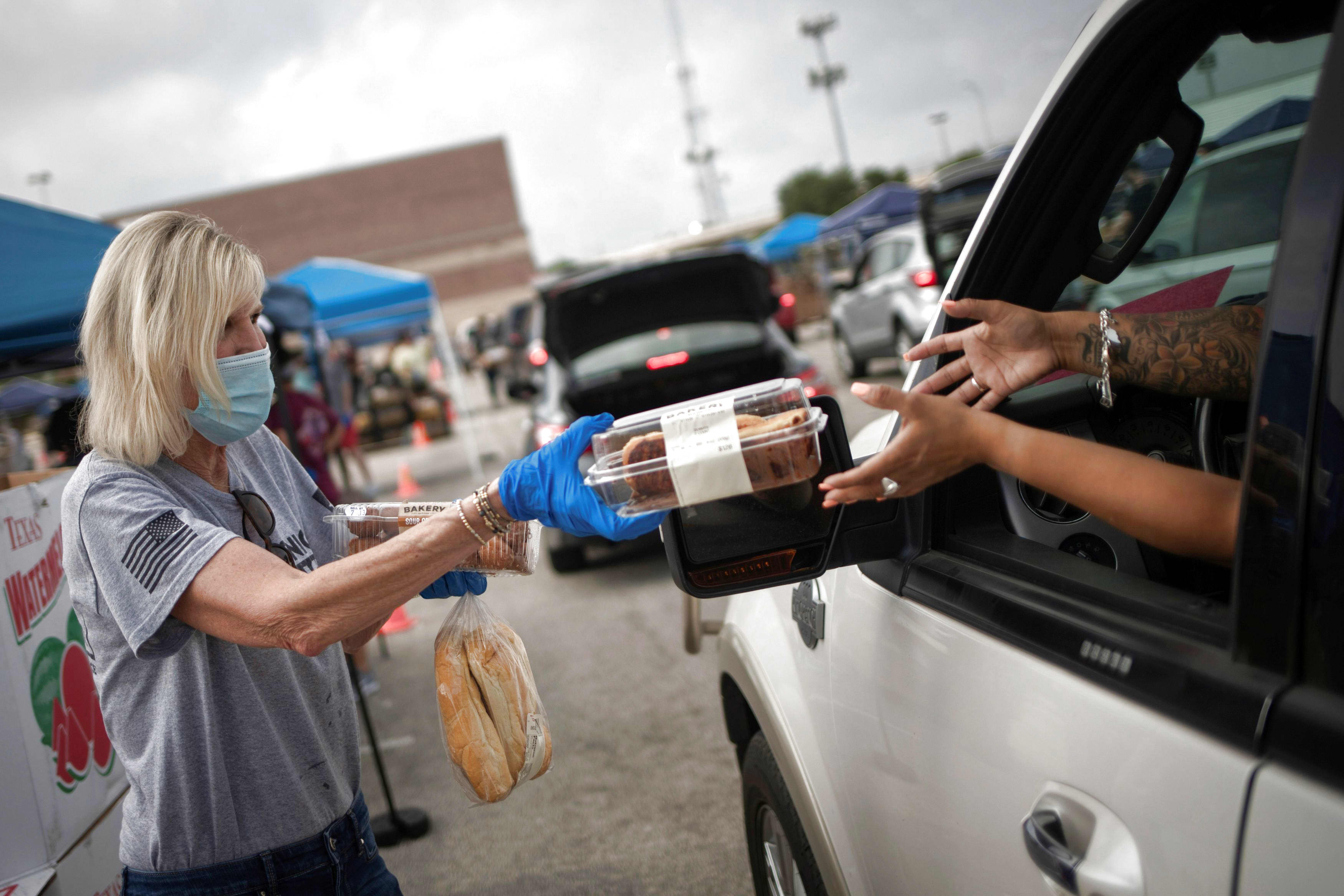 Texas food bank doubles amount of people it serves amid coronavirus pandemic