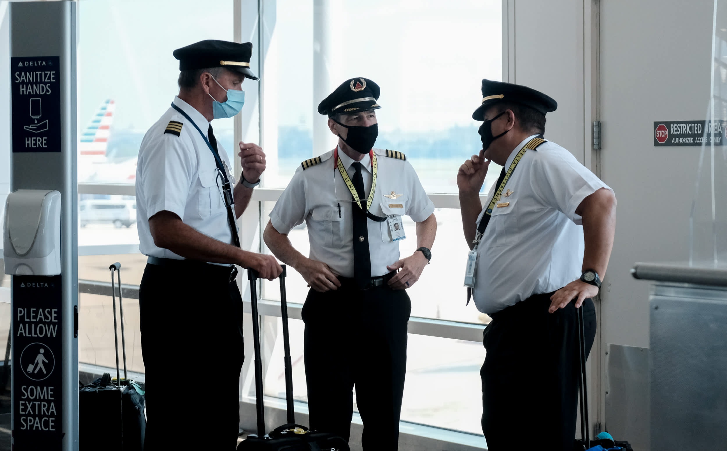 Delta plans to bring back 400 pilots, signaling optimism about future air travel