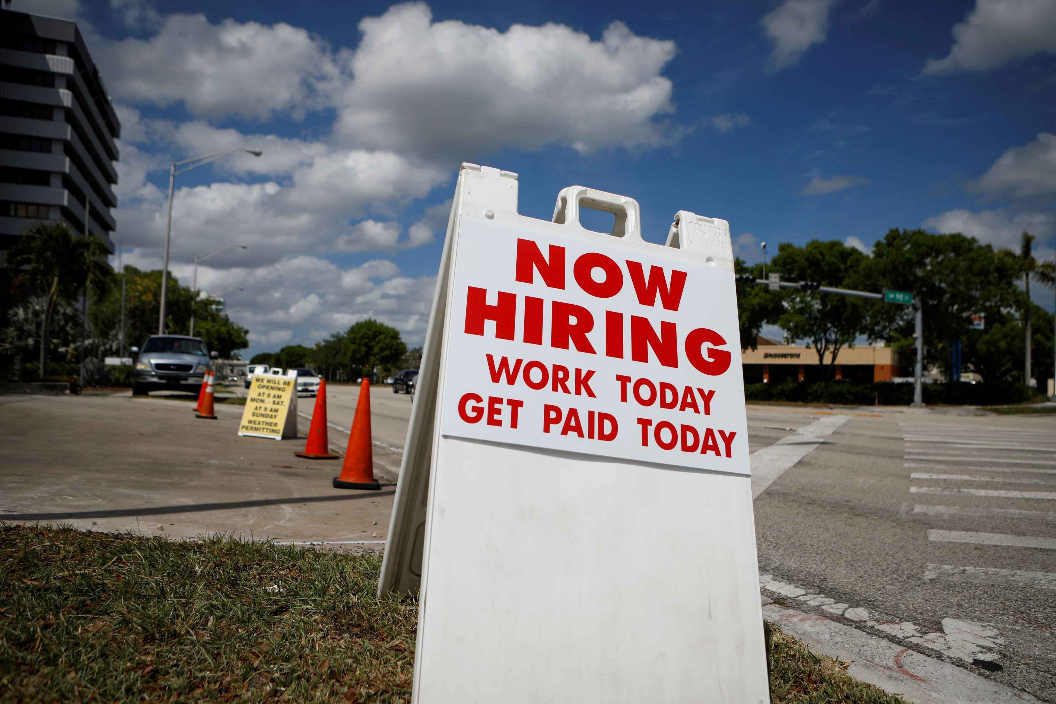 Private payrolls grow by 428000 but miss expectations ADP report says – CNBC