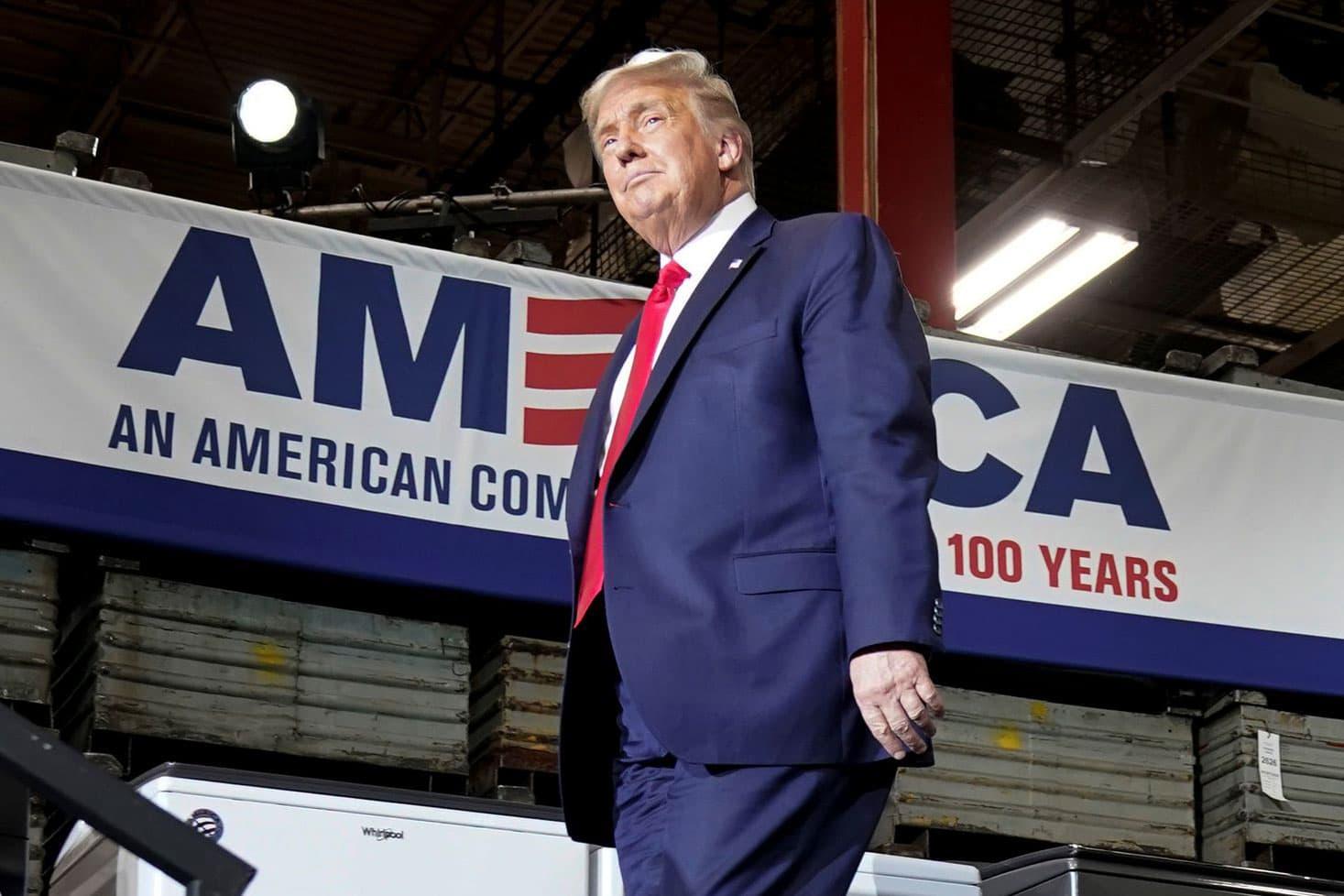 Trump says he signed order reimposing 10% aluminum tariffs on Canada