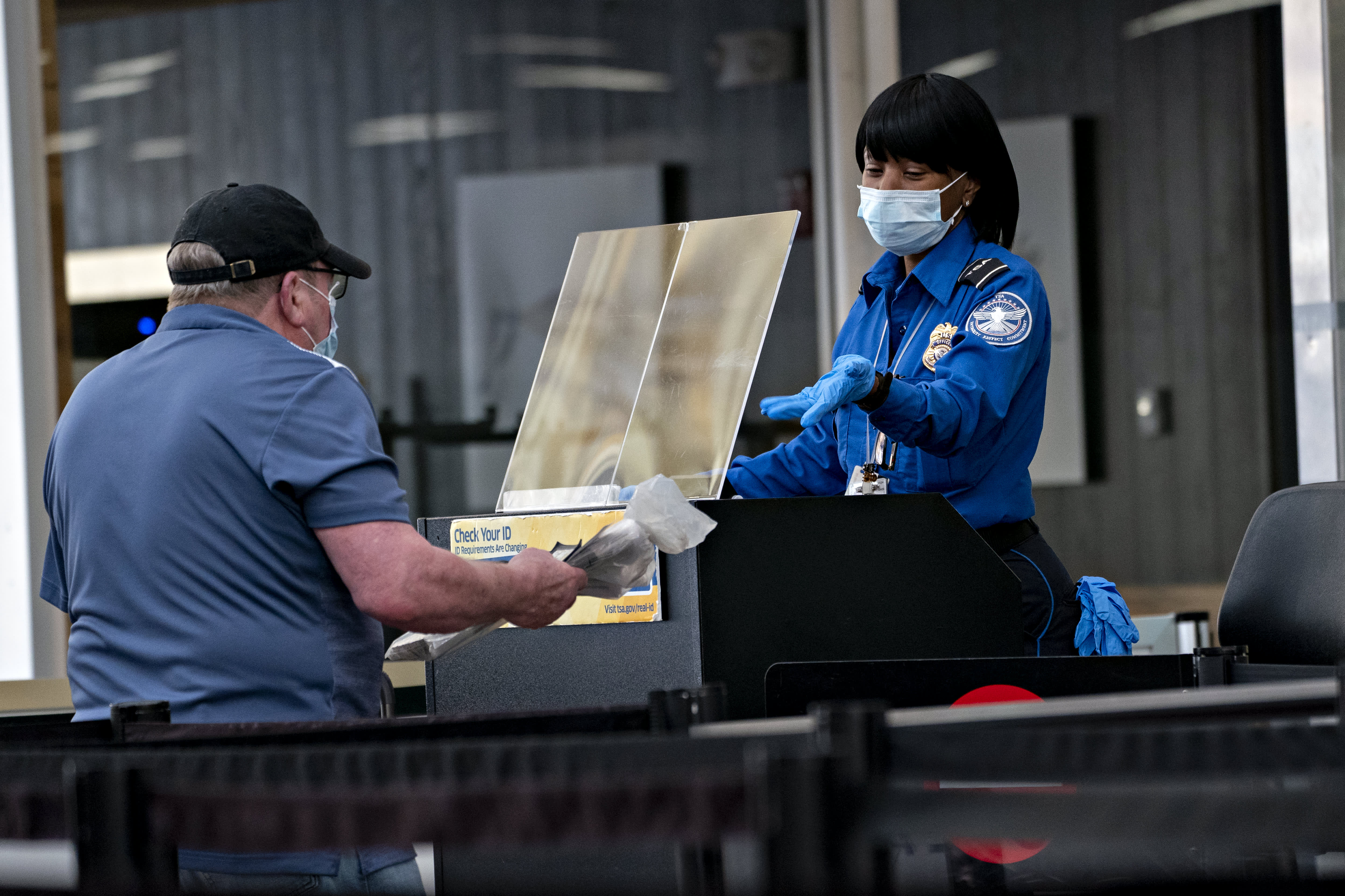 Air travel is picking up as TSA records highest passenger screenings in nearly a year - CNBC