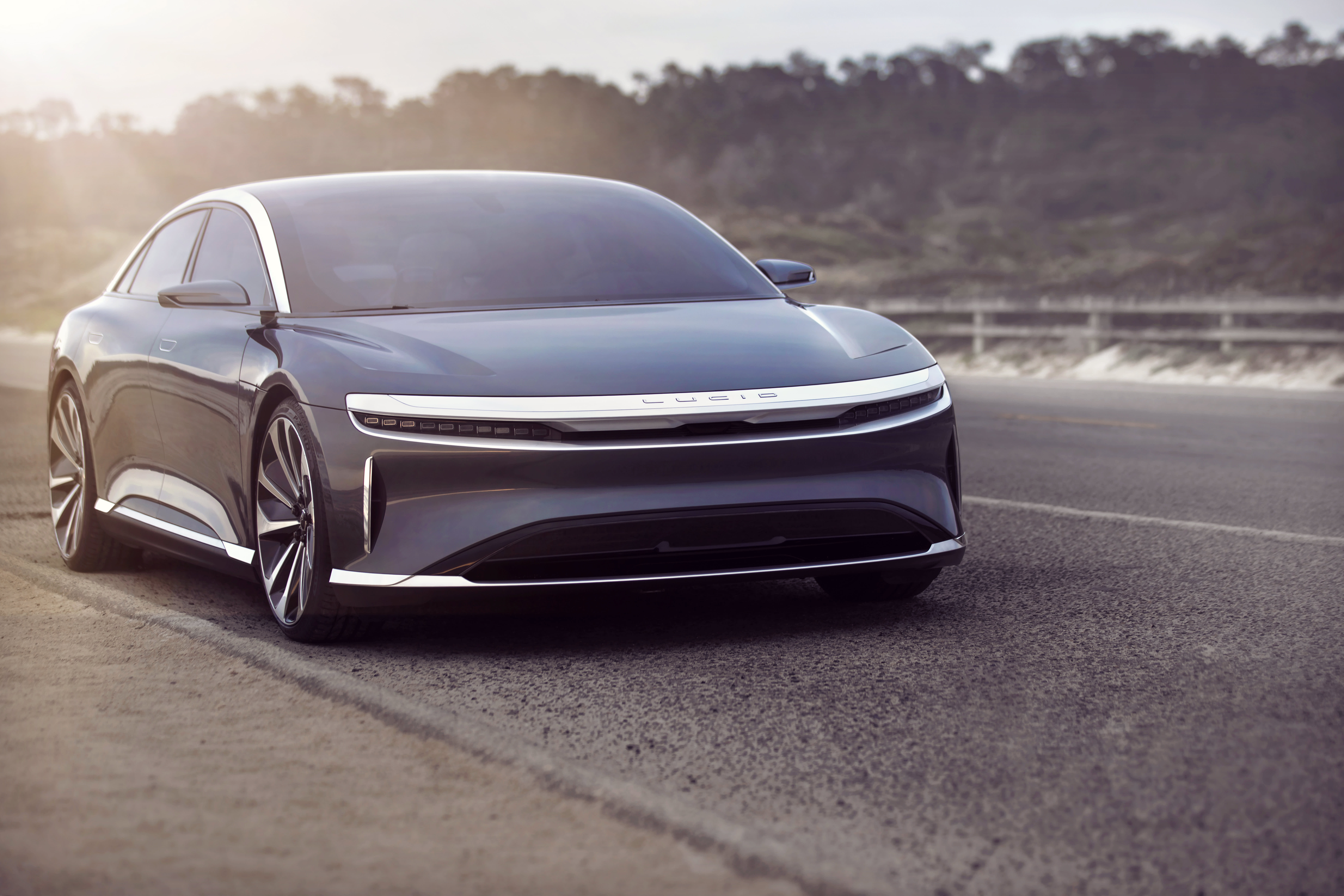 Lucid challenges Tesla with a luxury EV sedan that has a record 517 miles of range per charge