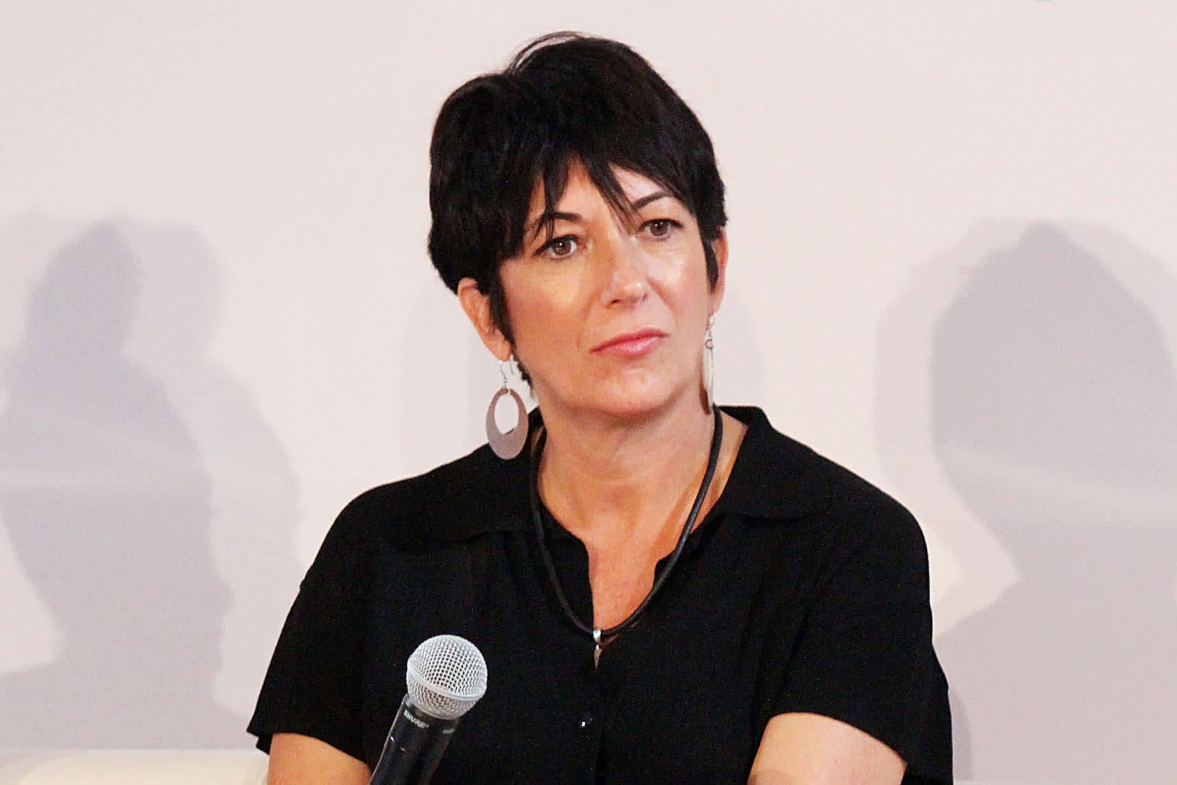 Ghislaine Maxwell lawyers want her in general jail population say Jeffrey Epstein's suicide is affecting her treatment – CNBC