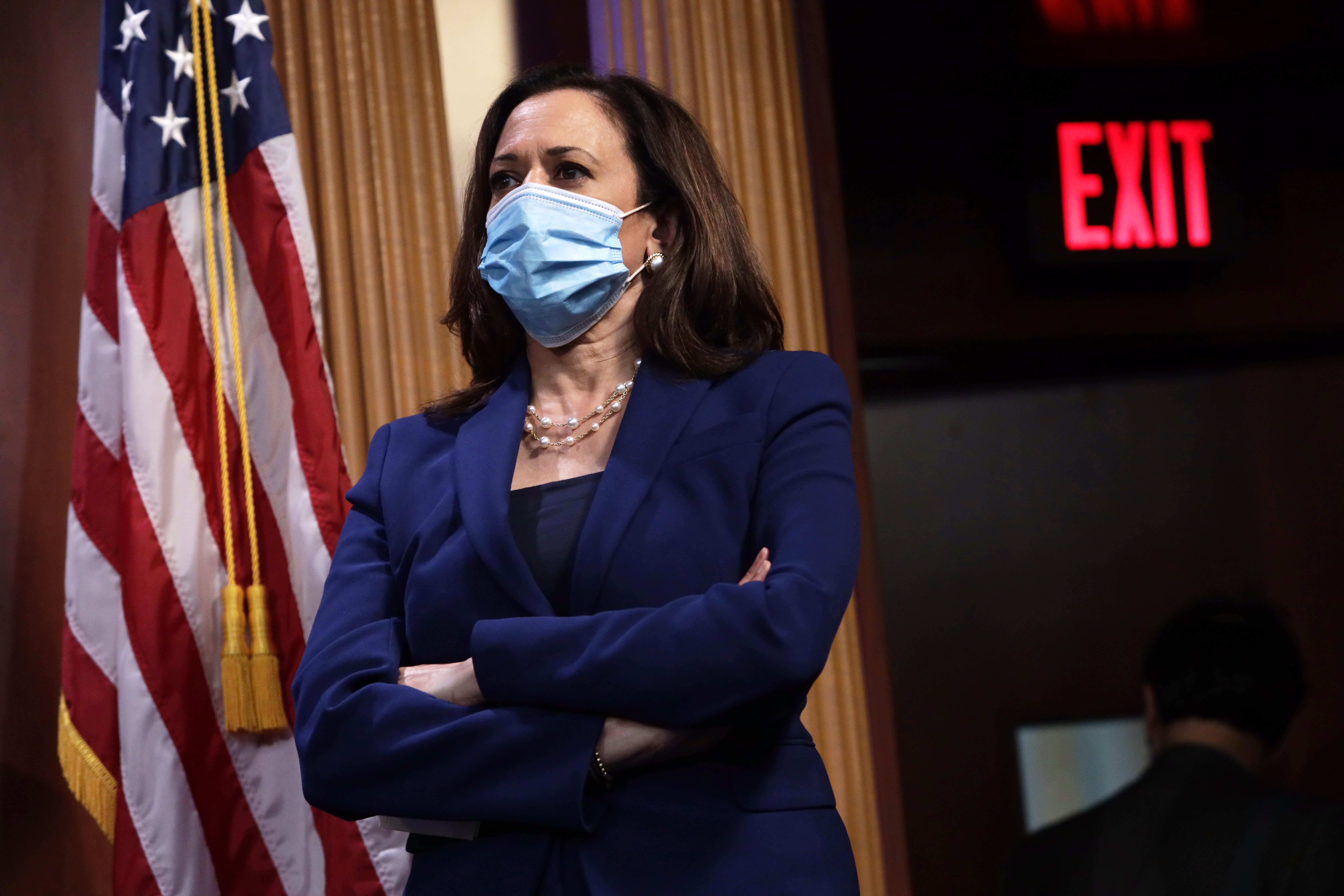 Where Kamala Harris Stands On Coronavirus Masks Stimulus Checks And Other Pandemic Spending