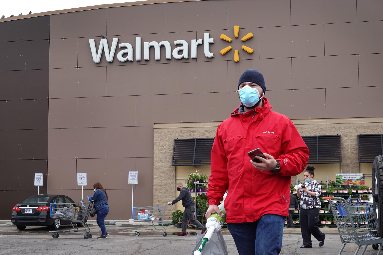 Cramer reveals retail stocks to play Larry Williams' 'Thanksgiving trade'