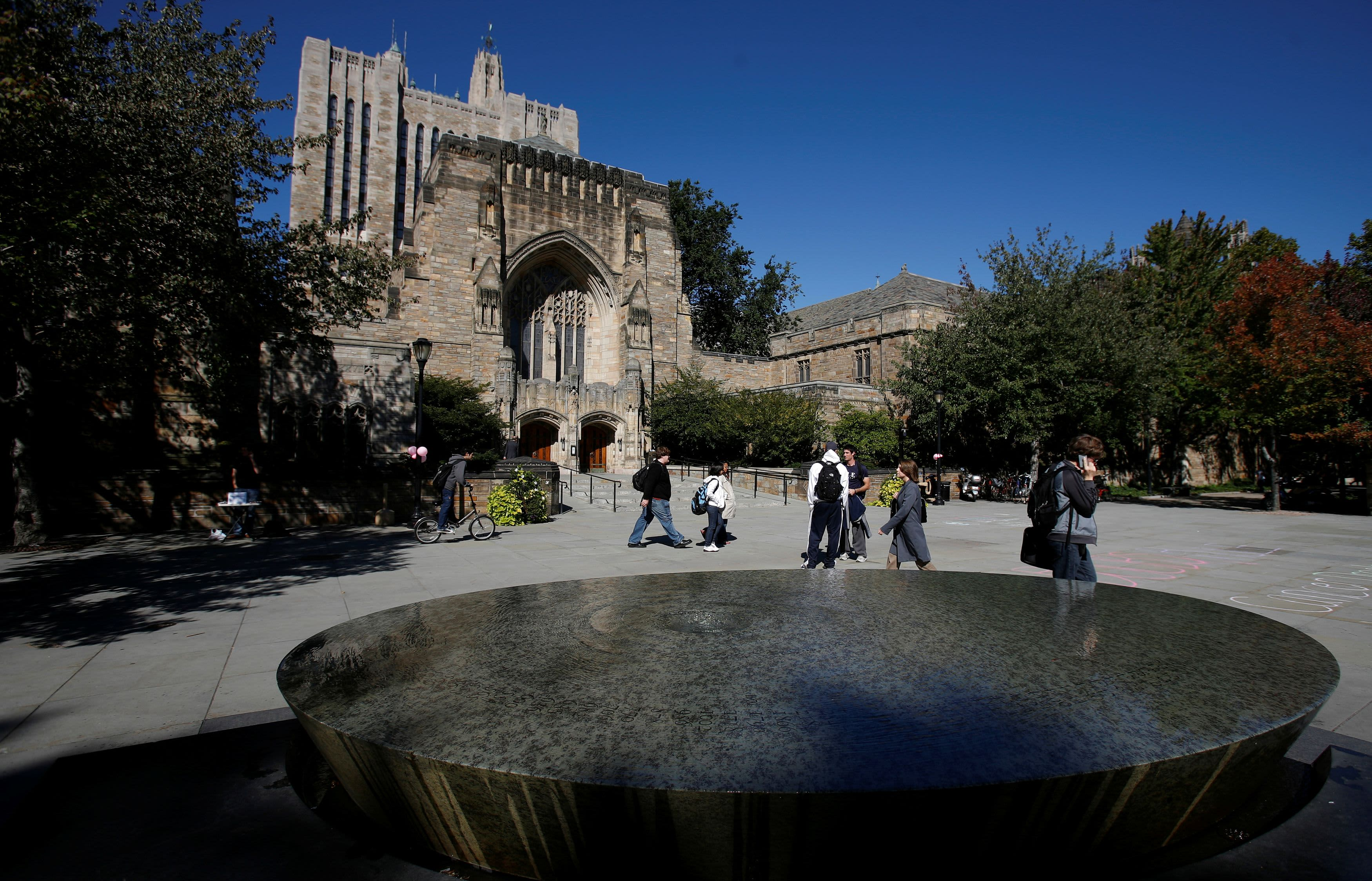 Justice Department drops match accusing Yale of discriminating against White and Asian candidates, in reversal from Trump period thumbnail