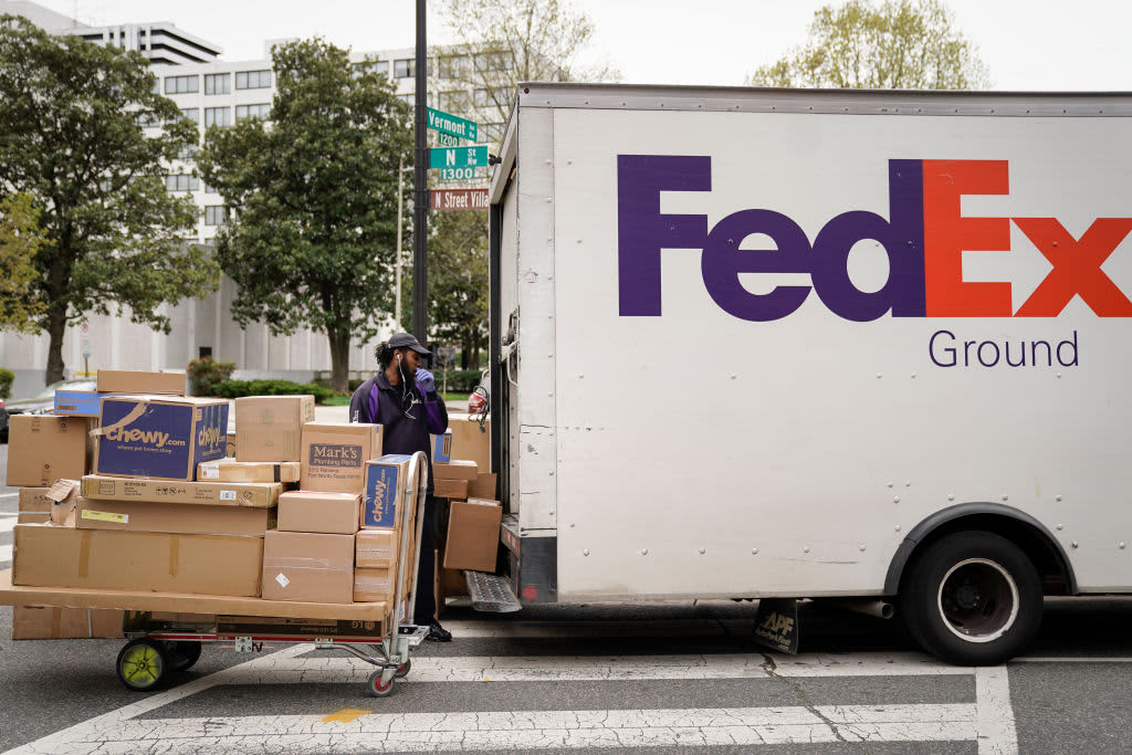 FedEx beats quarterly earnings and revenue estimates but cites continued uncertainty of Covid pandemic