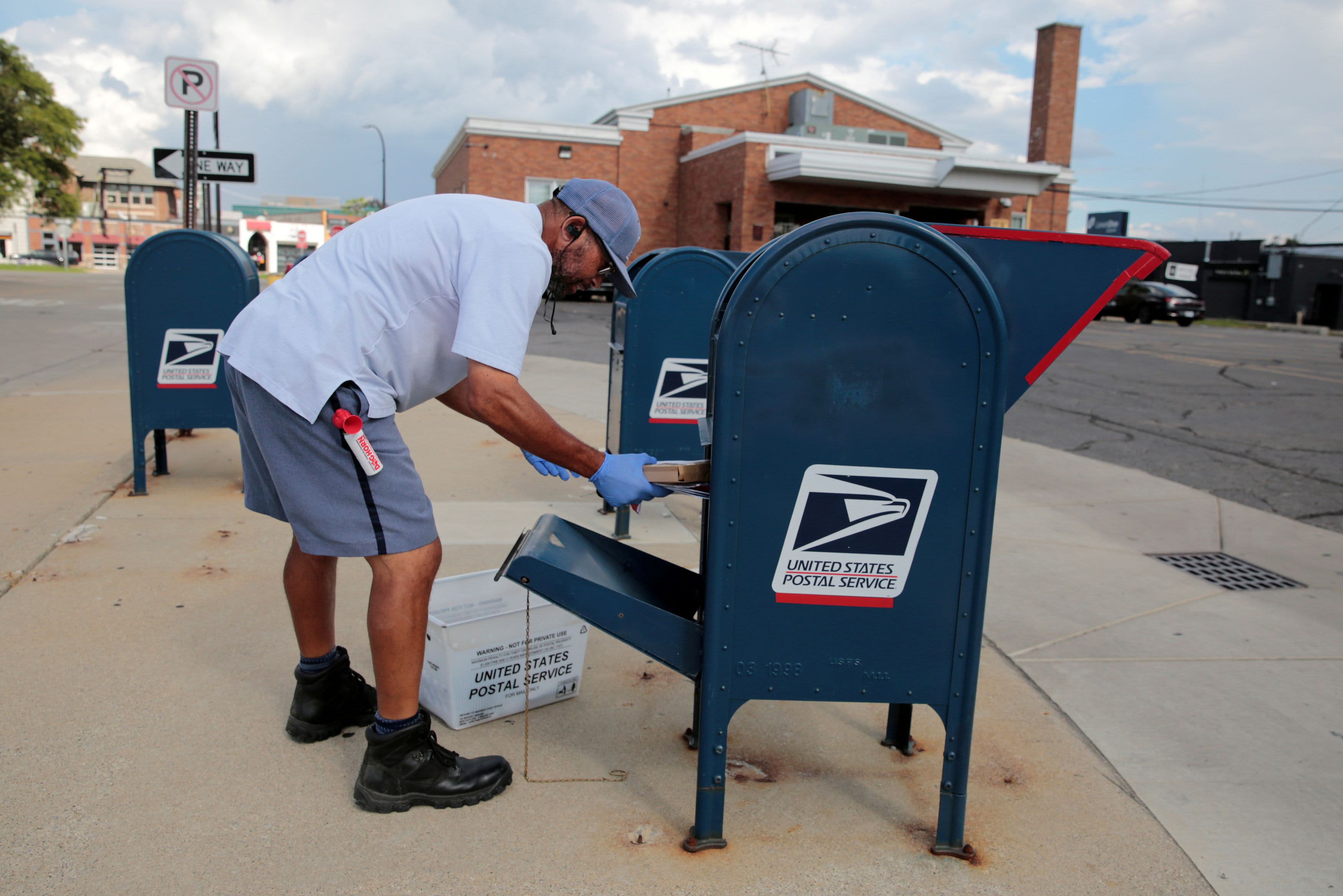 Federal Judge Temporarily Blocks U S Postal Service Changes