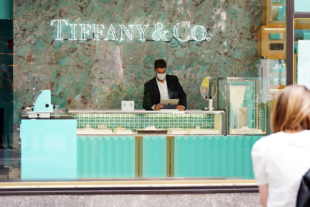 LVMH scraps $16.2 billion deal with Tiffany – CNBC
