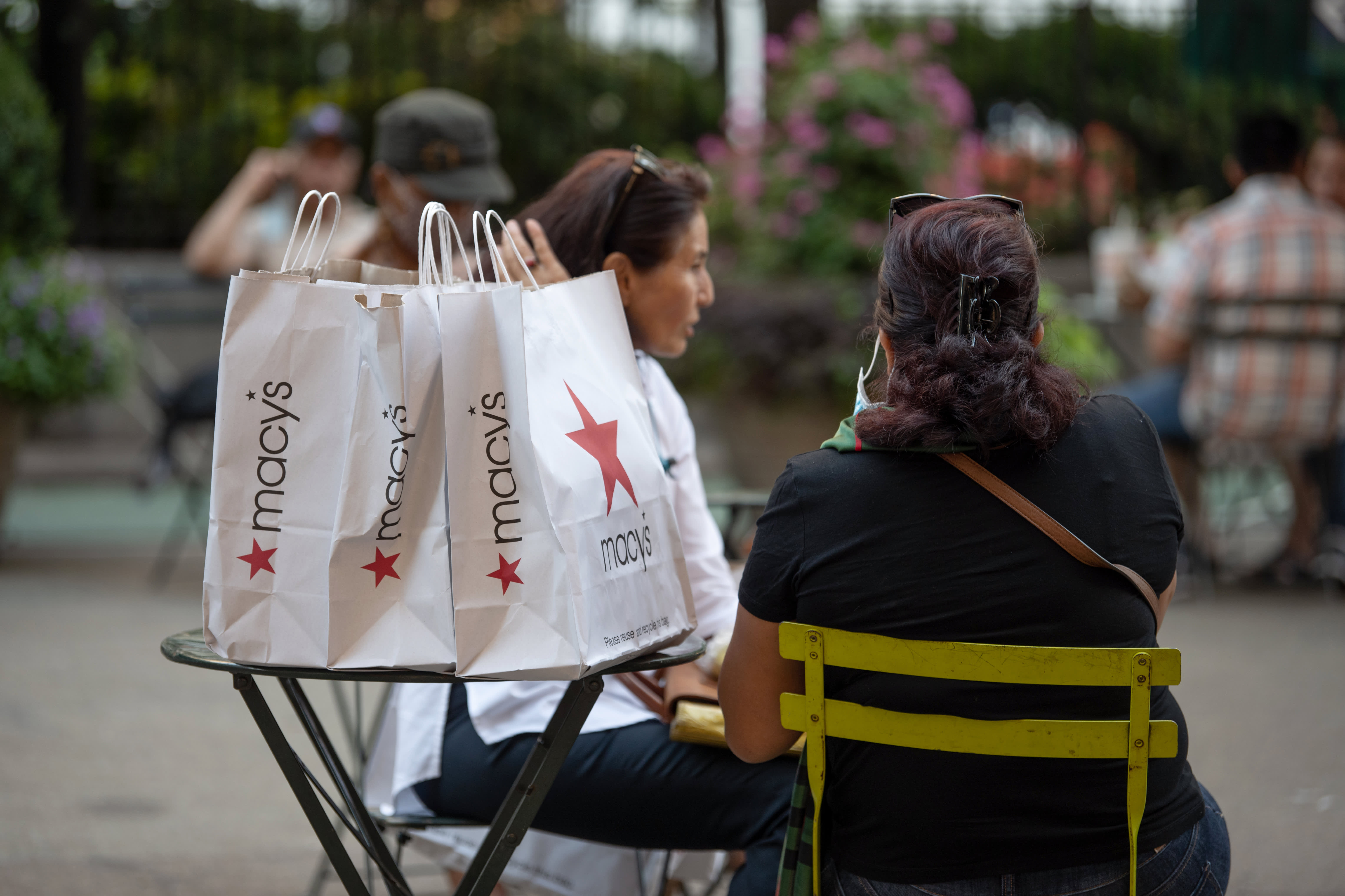 Macy's may face more temporary store closures as Covid cases climb and threaten crucial holiday shopping season CEO says – CNBC