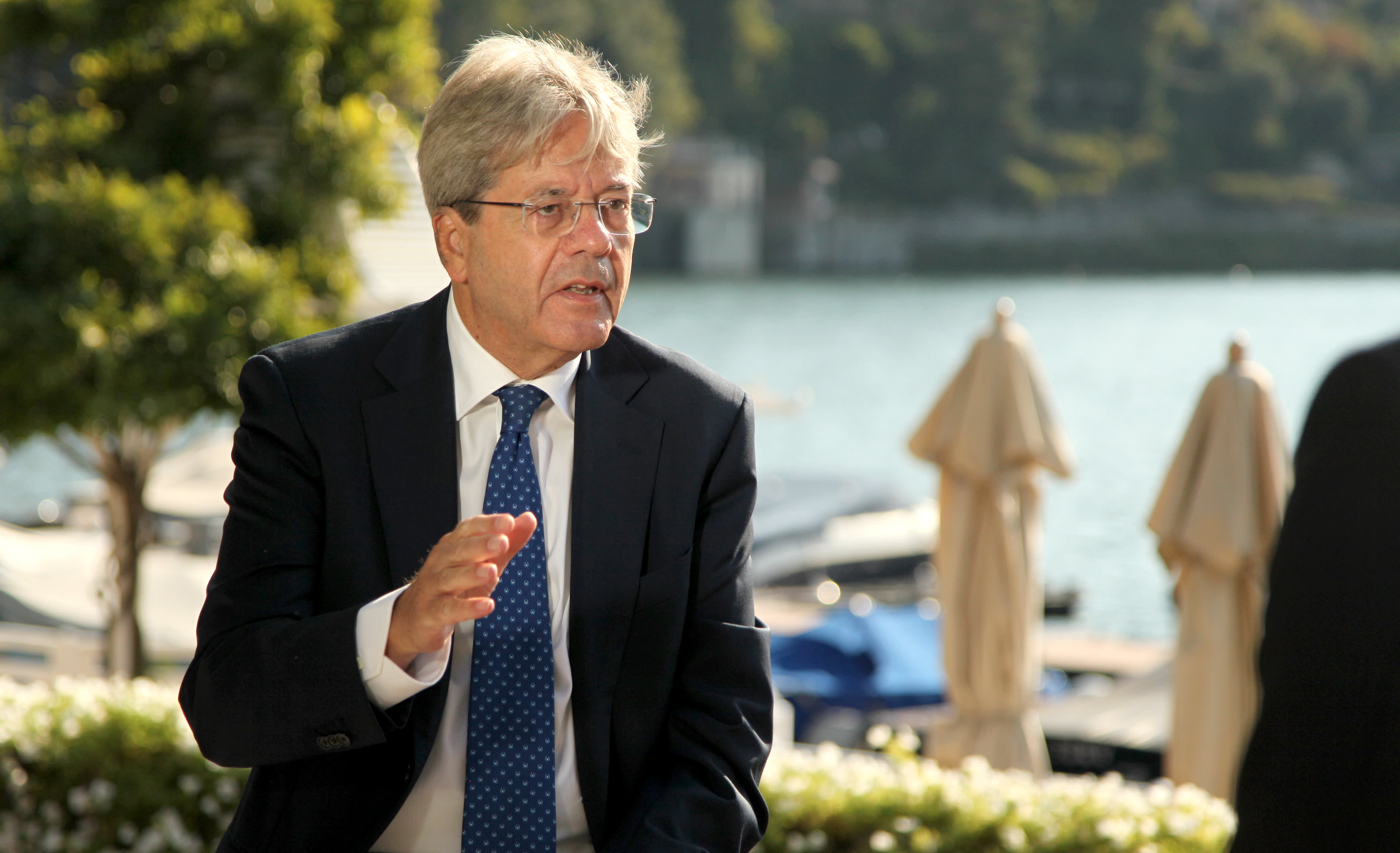 Photo of EU economics chief 'worried' about delays to coronavirus stimulus after Hungary and Poland veto