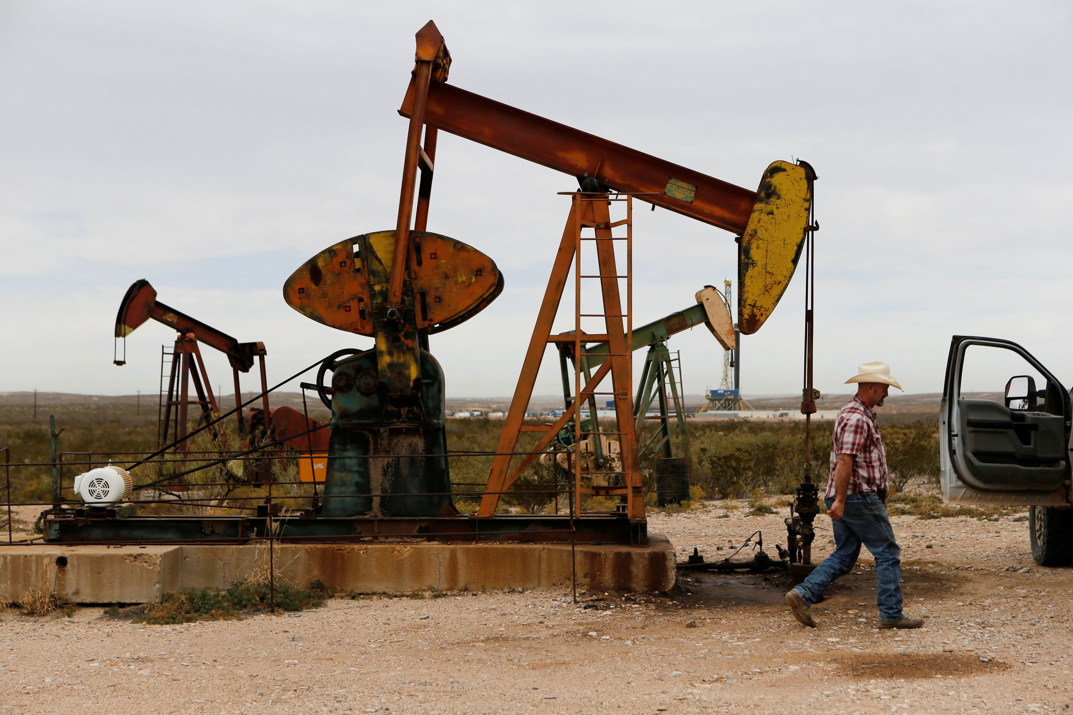After oil strikes 13-month high, energy analyst warns rates might be 'too frothy' thumbnail