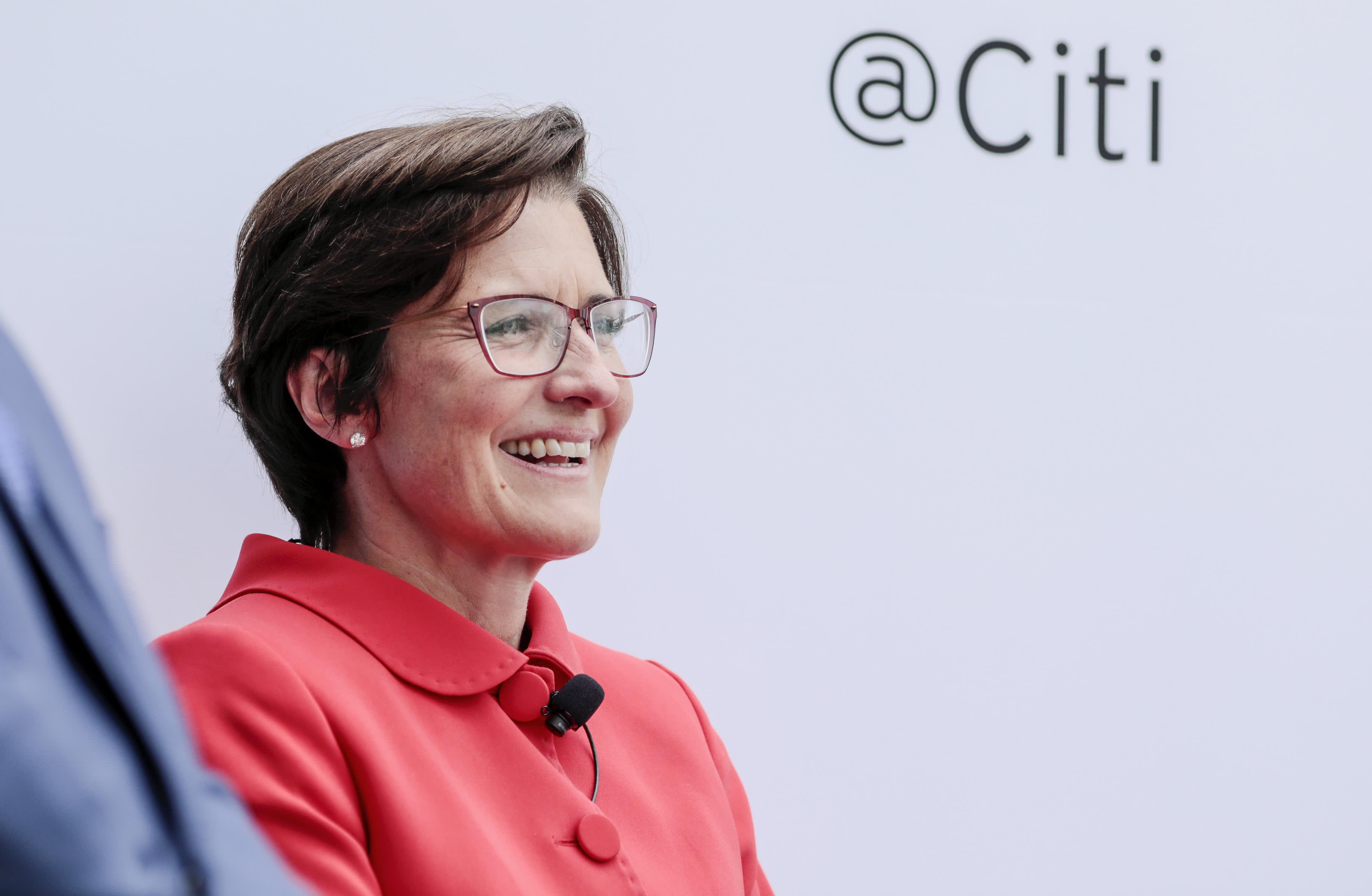 La directora ejecutiva de Citigroup, Jane Fraser, pide viernes sin zoom y nuevos feriados bancarios a medida que aumenta la fatiga pandémica