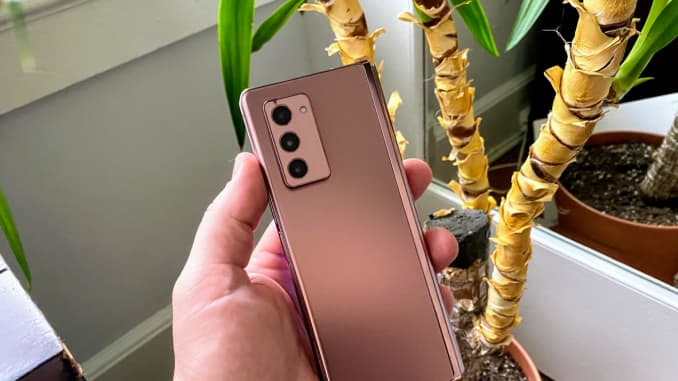 It's a gorgeous phone. Three cameras are on the back.