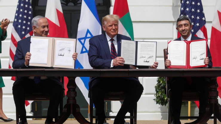 Op-Ed: UAE-Bahrain deals with Israel offer chance at a 'warm peace,' economic growth and a moderate Mideast alliance