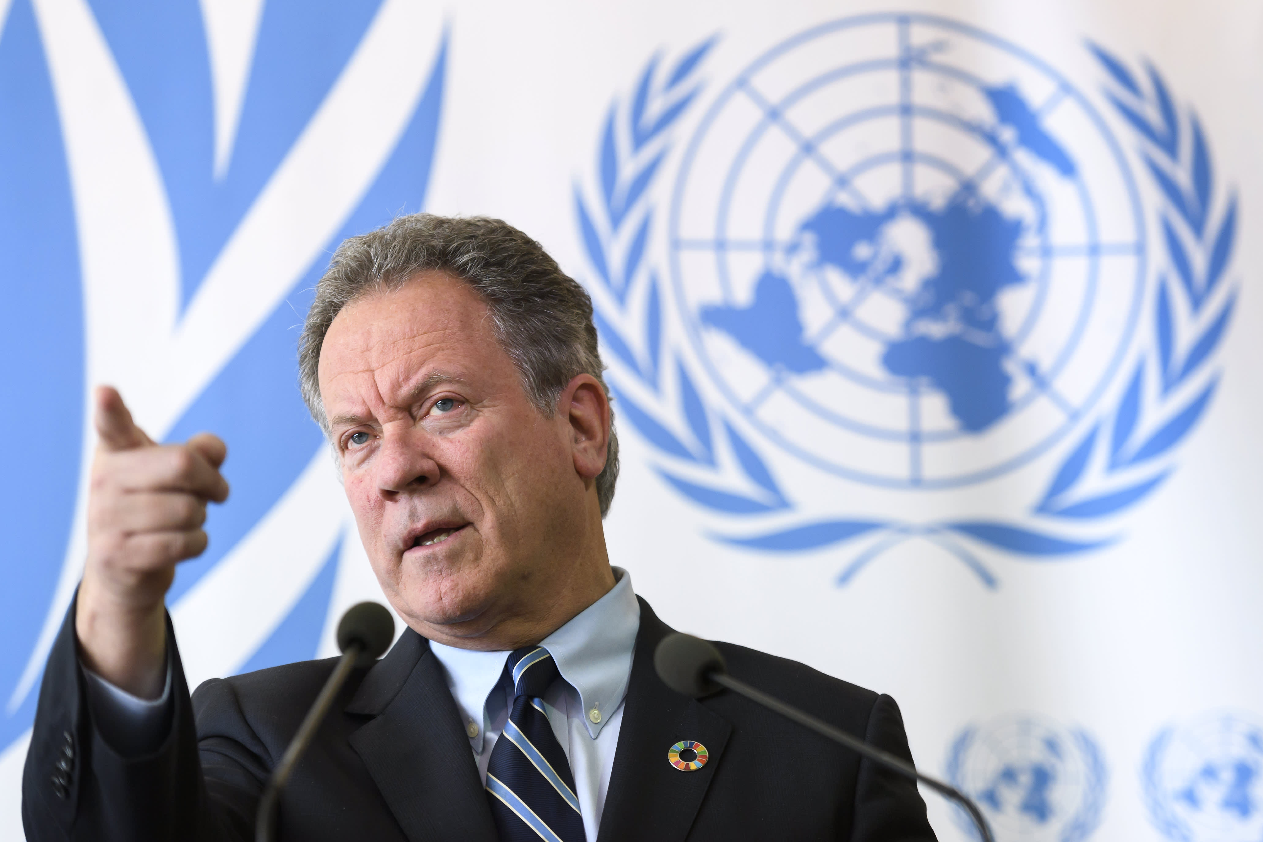 Billionaires urged to combat world hunger by UN food chief: 'Do the right thing'