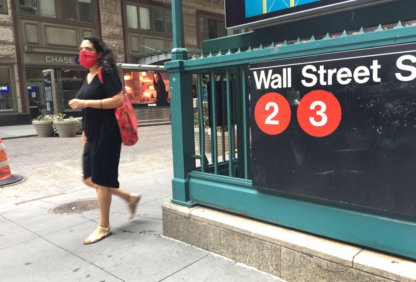 Mike Santoli's market notes: Stimulus-headline pinball, Snap effect, traders hedging