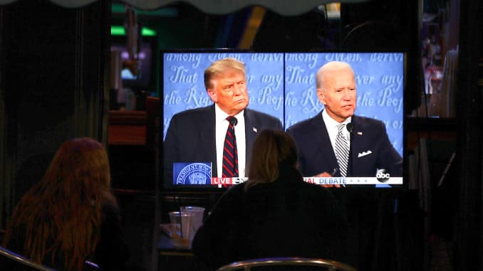 People watch the first presidential debate between U.S. President Donald J. Trump and Former U.S. Vice President Joe Biden, on September 29, 2020, in Hoboken, New Jersey, United States.