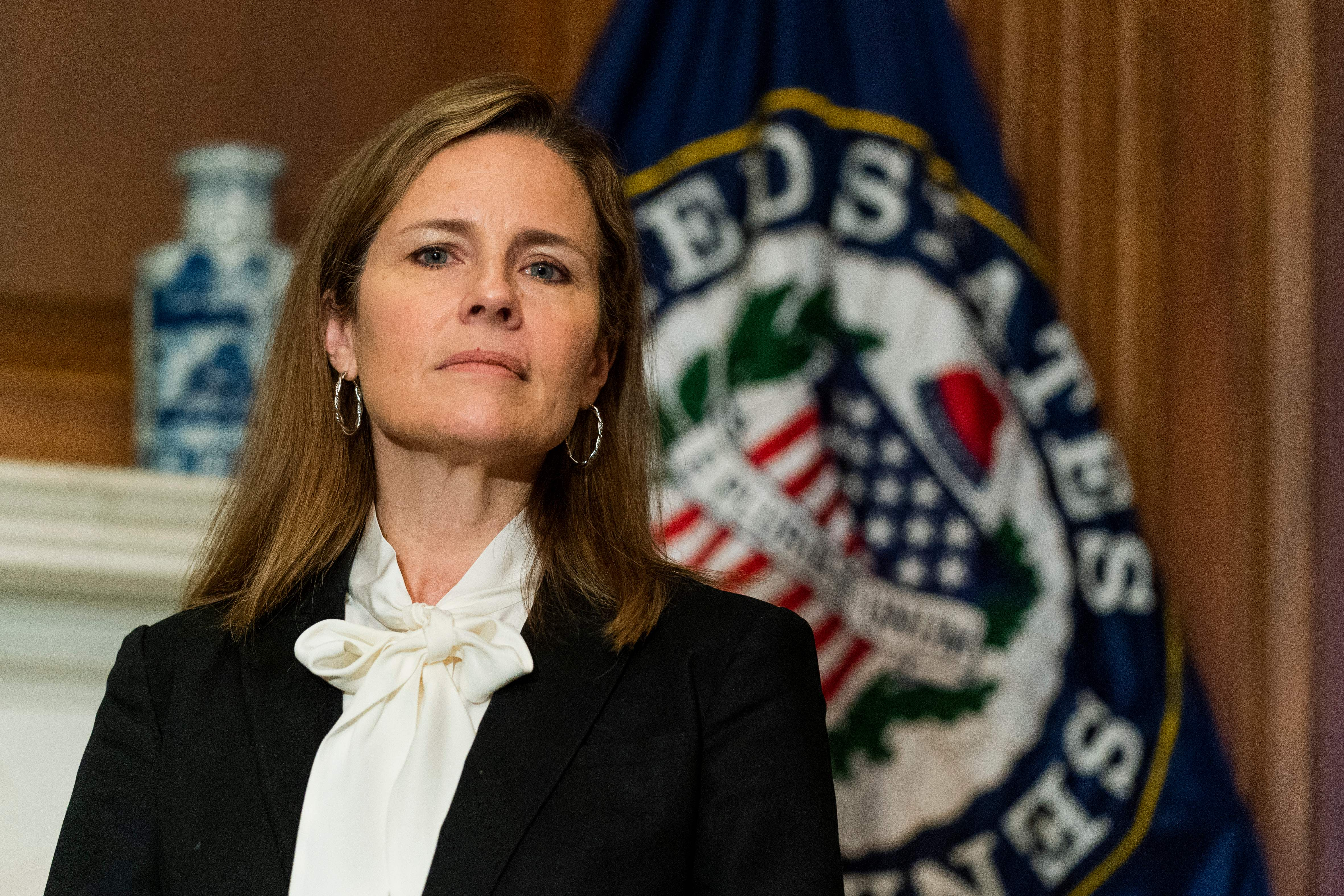 Senate set to confirm Judge Amy Coney Barrett to Supreme Court on Monday – CNBC