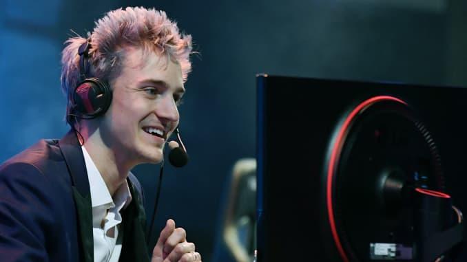 """LAS VEGAS, NV - 21 tháng 4: streamer Twitch và game thủ chuyên nghiệp Tyler """"Ninja"""" Blevins."""