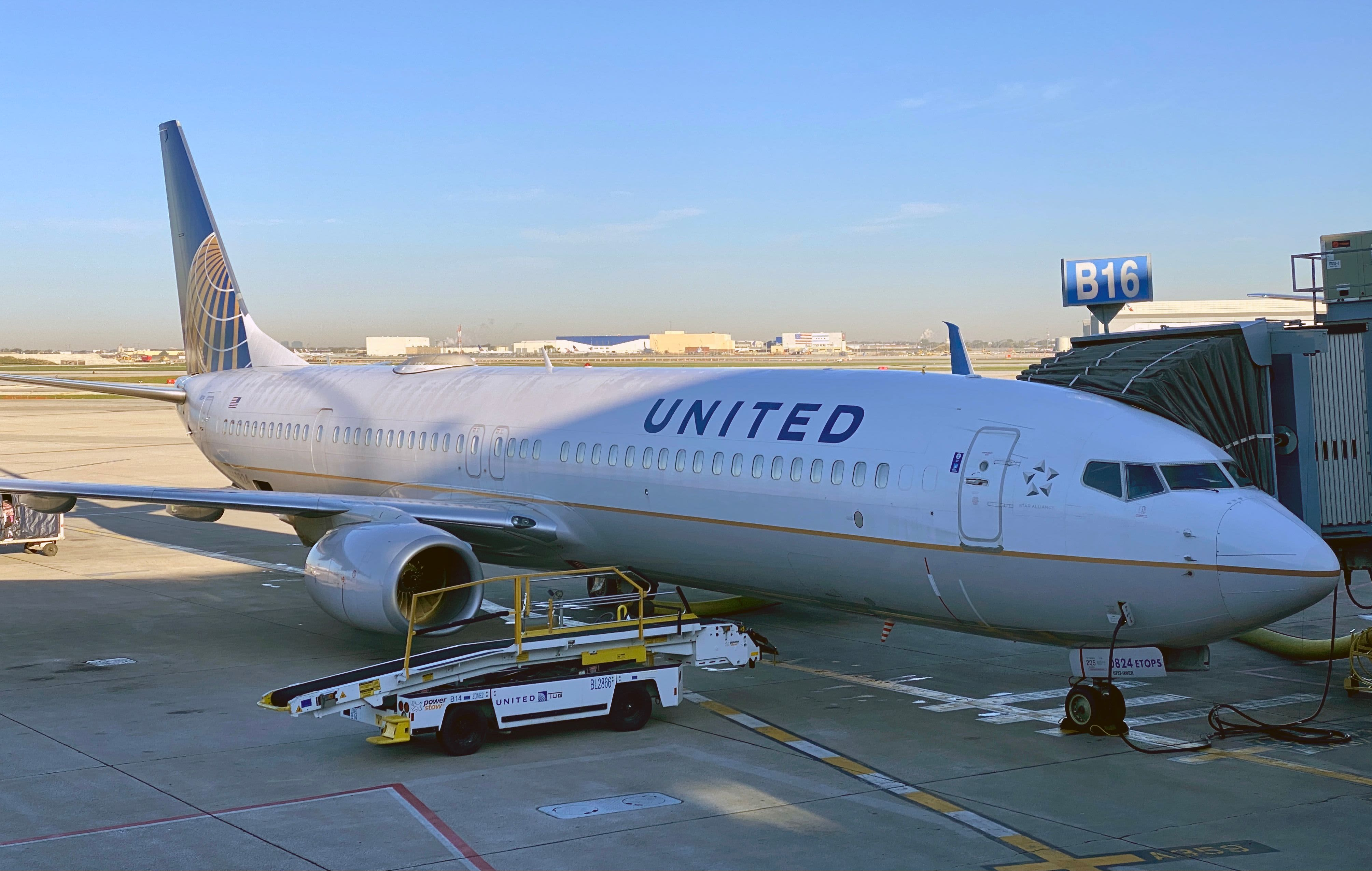United Airlines tumbles 9% as business and international travel recovery still far off