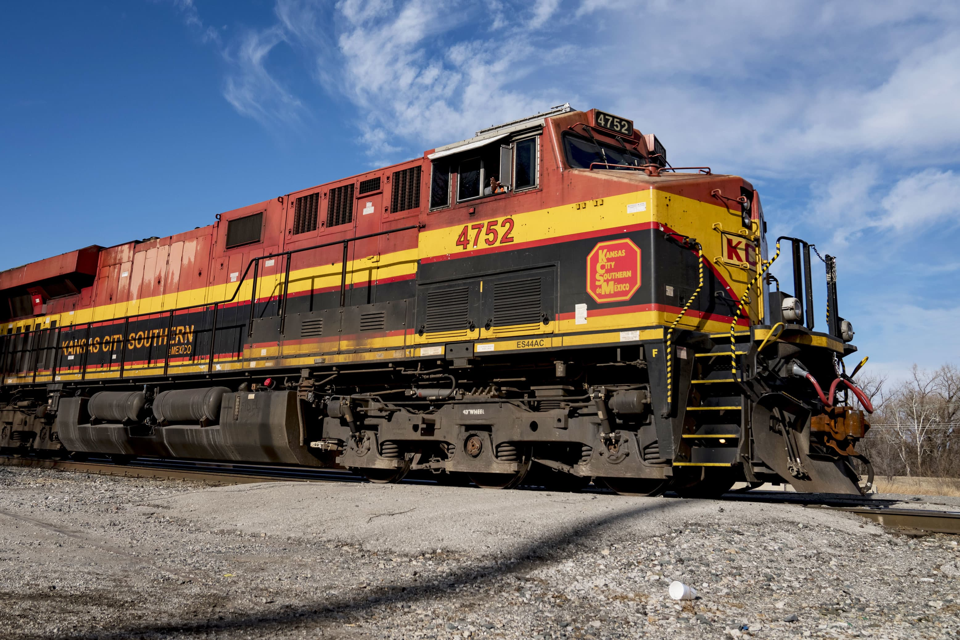 Cramer says bidding war for Kansas City Southern shows bargains remain in stock market - CNBC