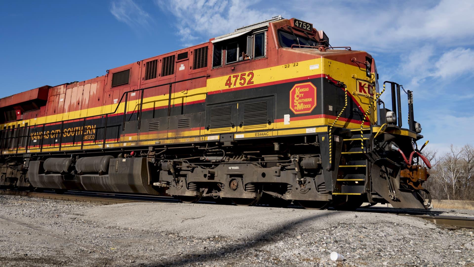 A Kansas City Southern (KSC) Railway locomotive passes through Knoche Yard in Kansas City, Missouri, on Tuesday, Jan. 7, 2020.