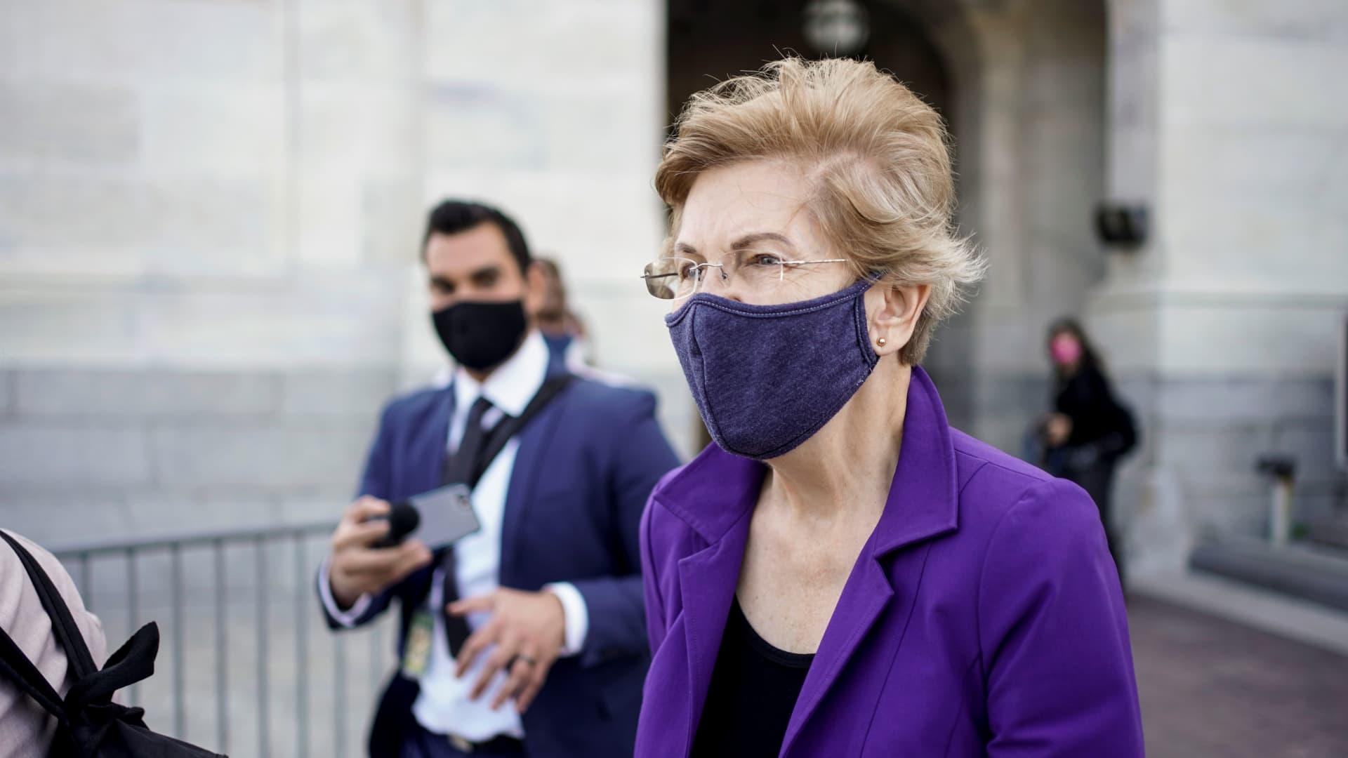 Senator Elizabeth Warren (D-MA) departs after a vote on Capitol Hill in Washington, U.S., September 22, 2020.
