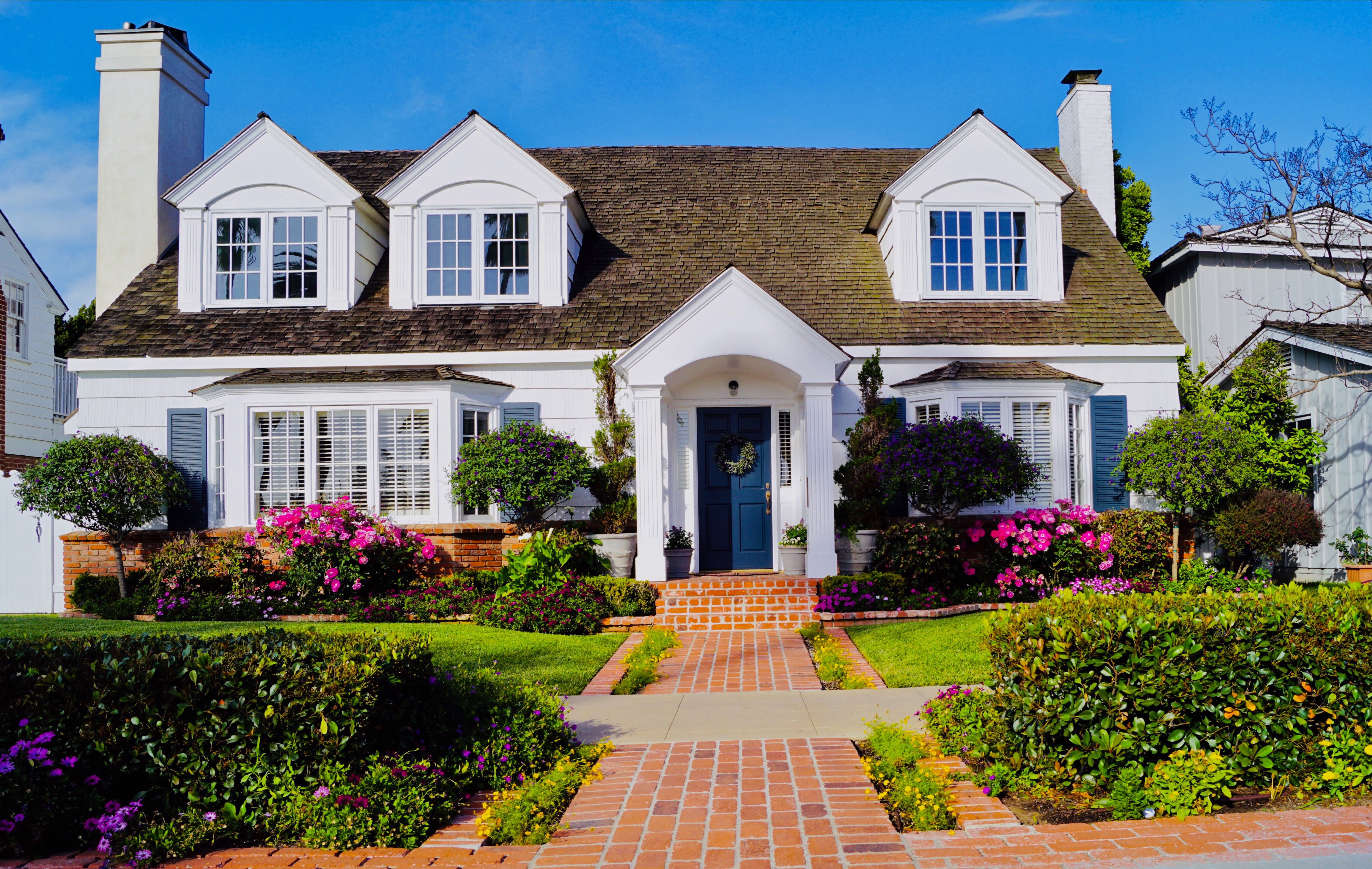Moving 101: 5 Tips to Help Your Offer Stand Out in a Seller's Market