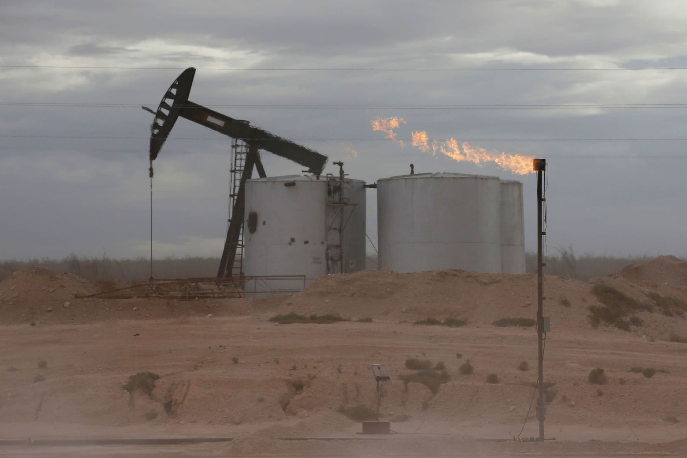 Oil hits pandemic high as winter storm pushes demand and poses production risk