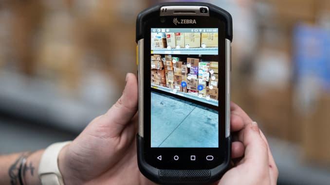 Walmart augmented reality app testing new technology