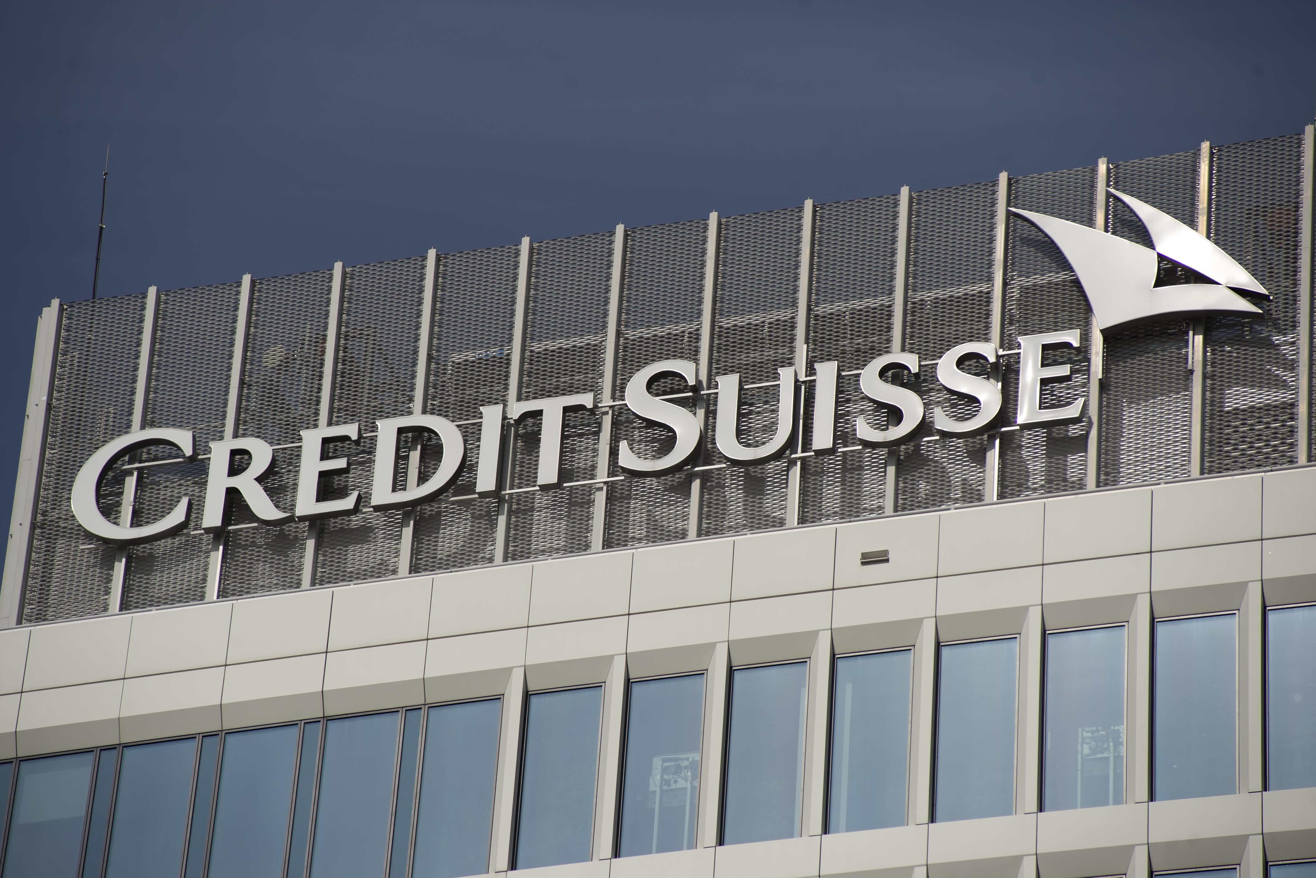 Credit Suisse is giving junior bankers special $20,000 bonuses, raises after Goldman analyst revolt