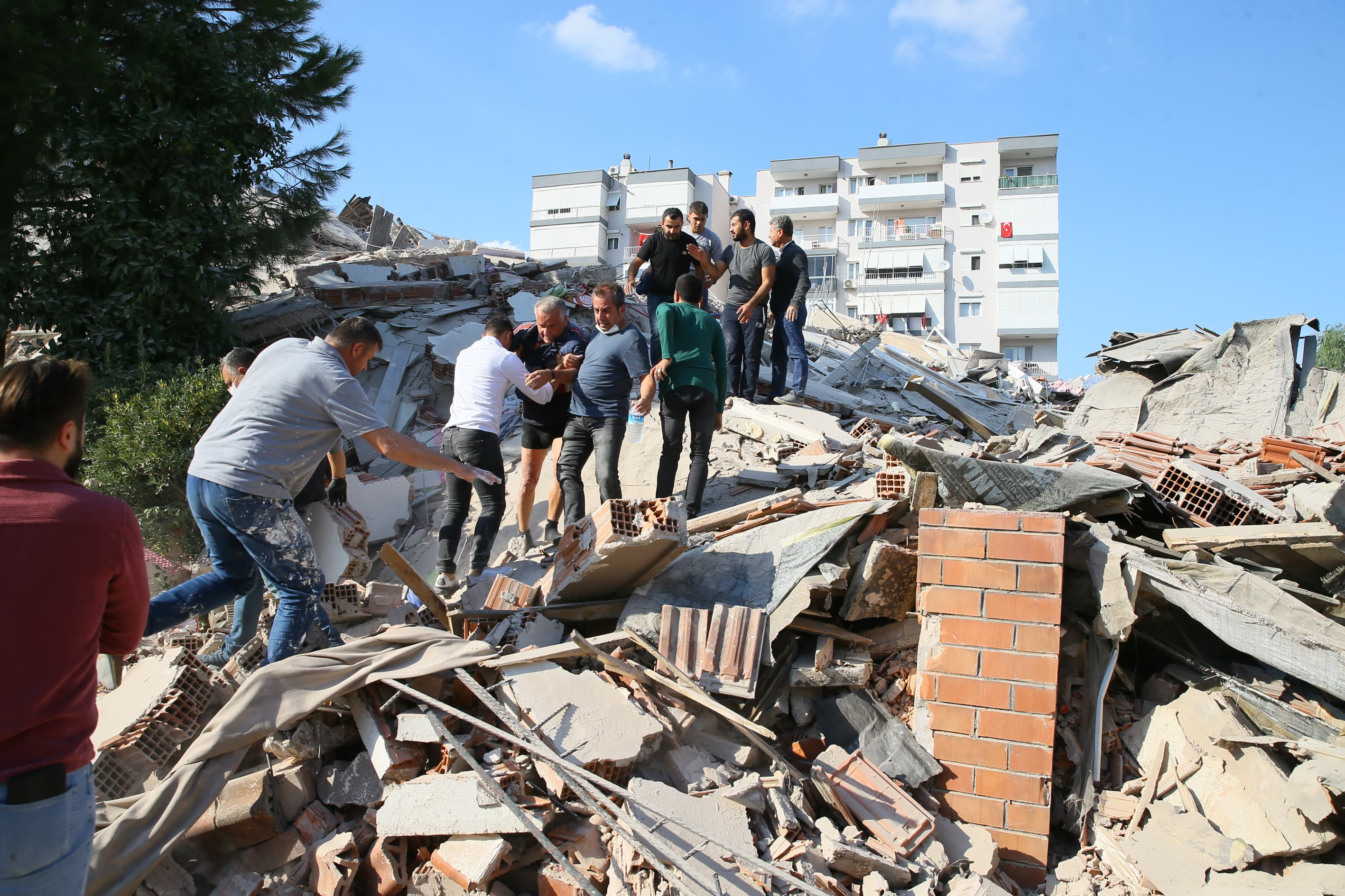 Strong Earthquake Kills 28 People In Turkey And Greek Islands