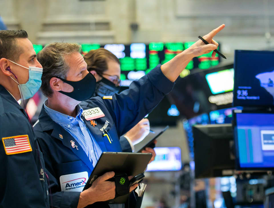 Dow's comeback rally gains steam as blue-chip average jumps 500 points