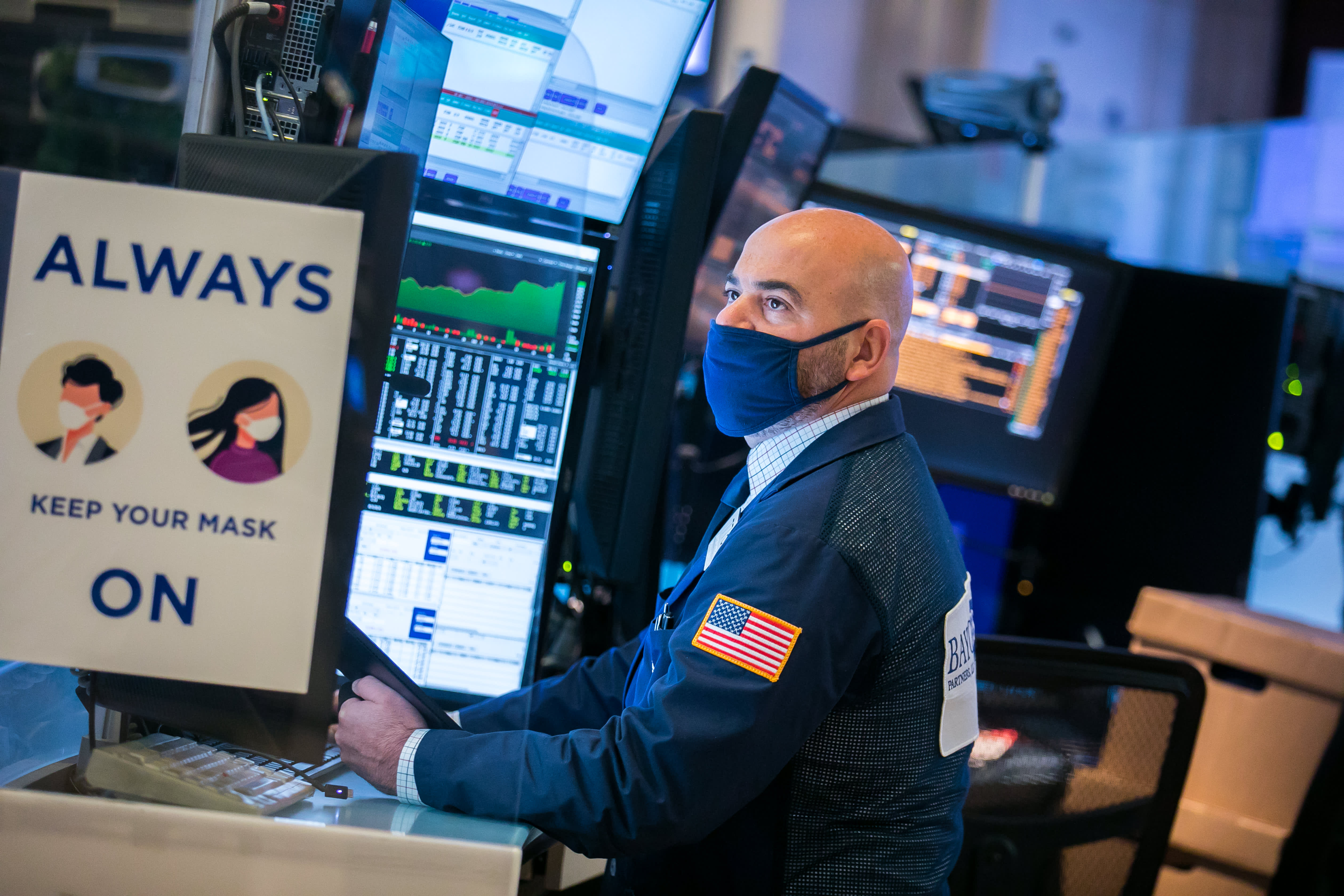 European markets head for lower open, tracking mixed...