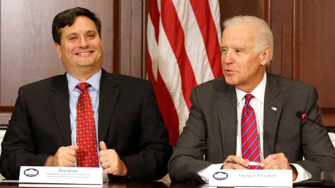 Biden chooses longtime adviser Ron Klain as chief of staff