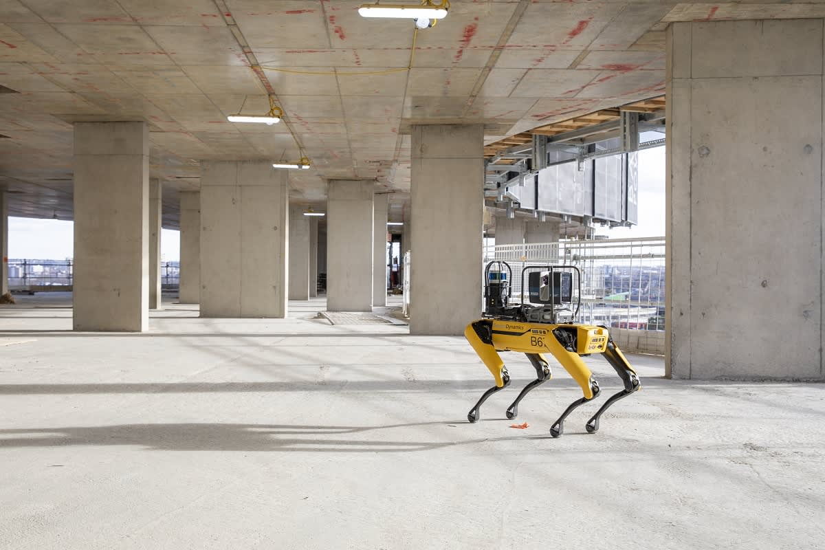 boston-dynamics-fourlegged-robot-has-been-gathering-data-at-a-major-construction-site-in-london