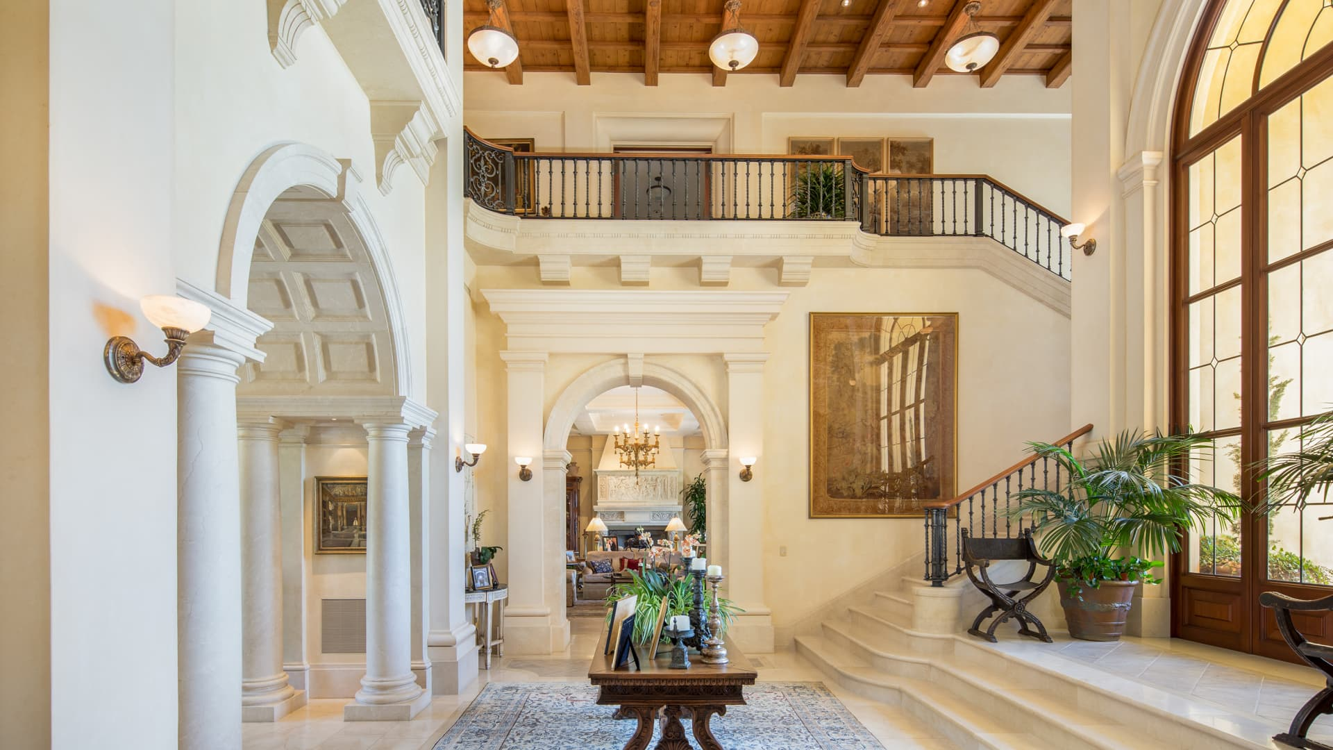 With vaulted ceilings and marble arches, Villa Firenze is reminiscent of an Italian villa.