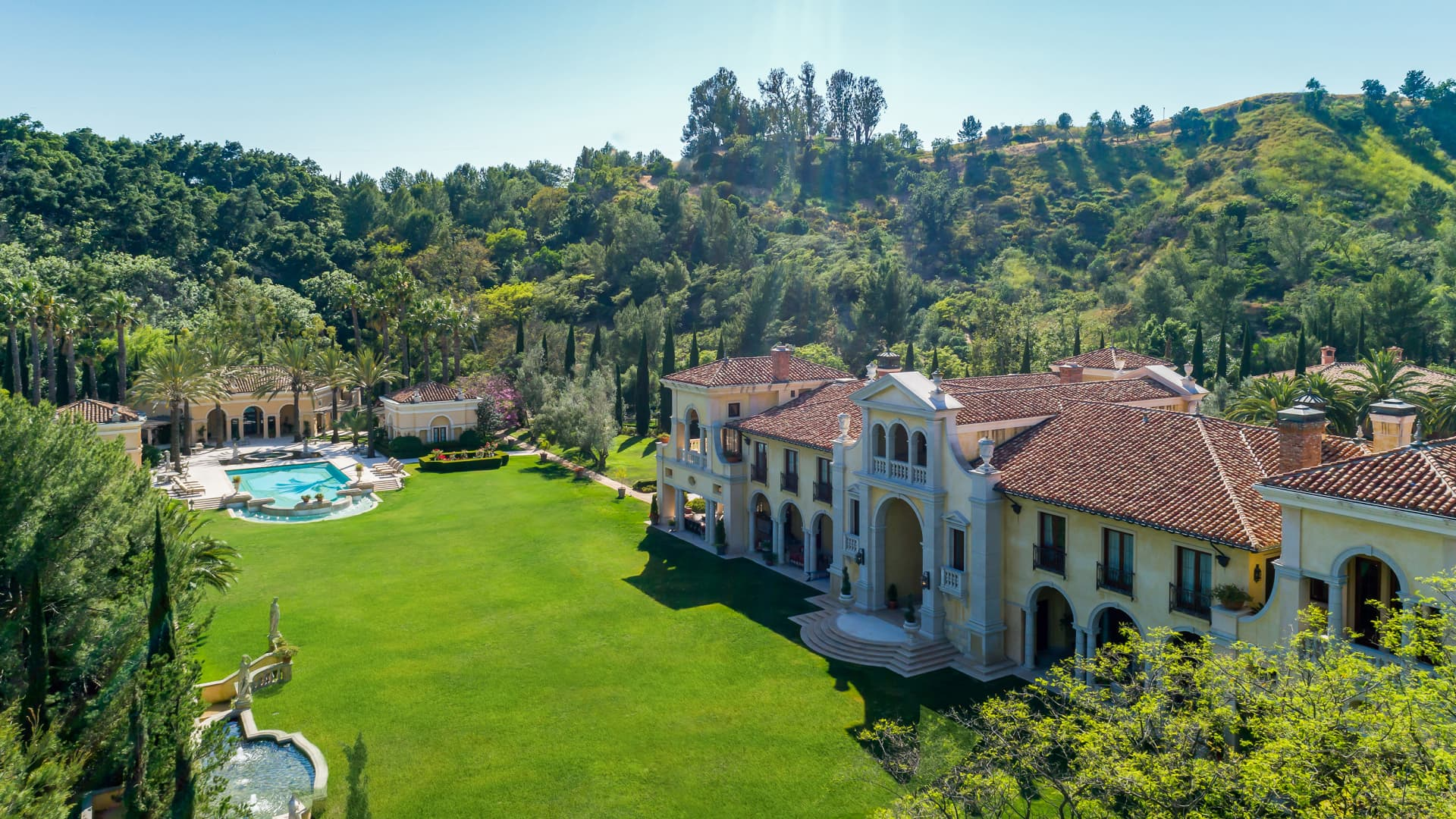 An aerial view of the grounds of Villa Firenze in Beverly Hills, California.