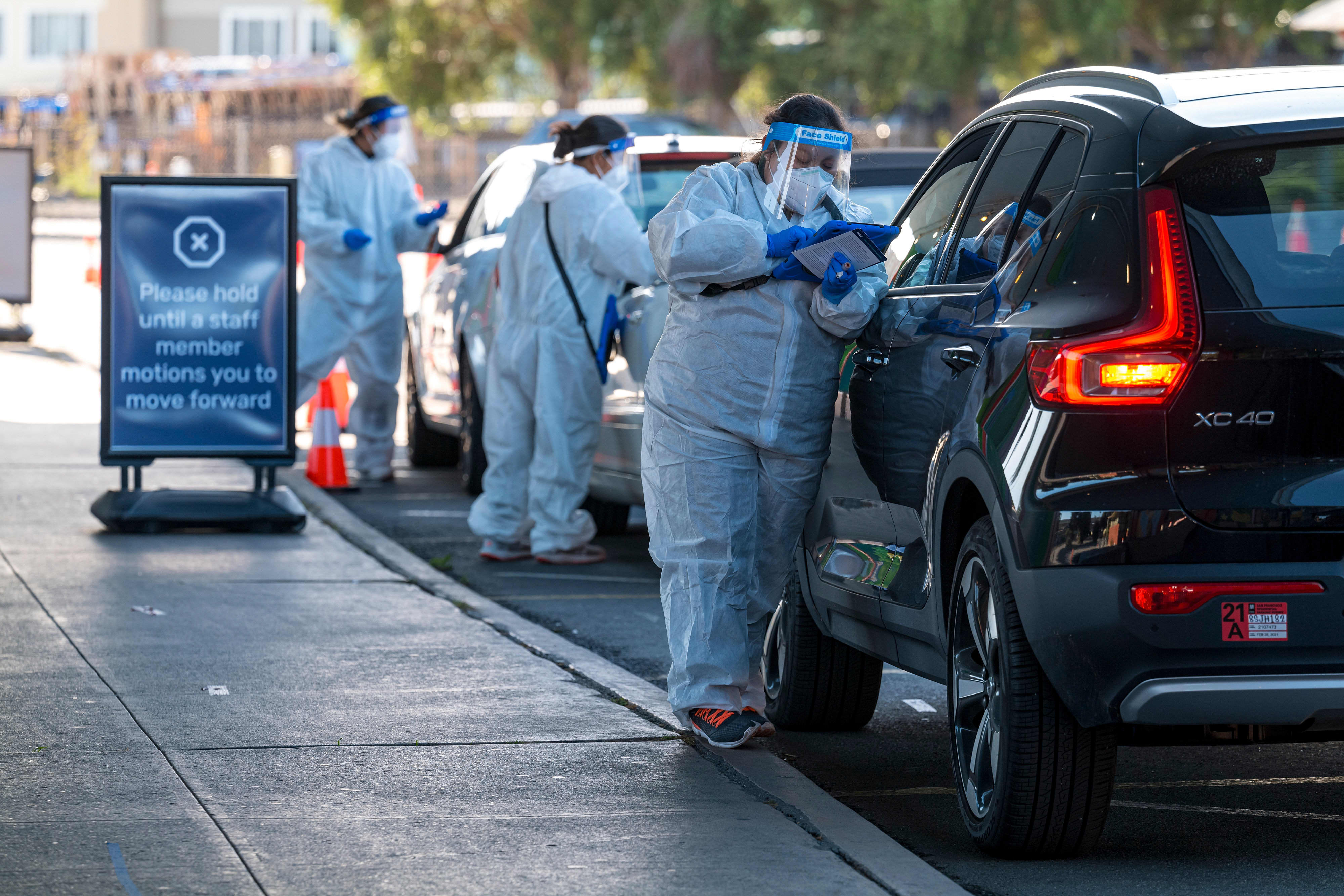 U.S. reports record 187833 new Covid cases as CDC warns against Thanksgiving travel – CNBC