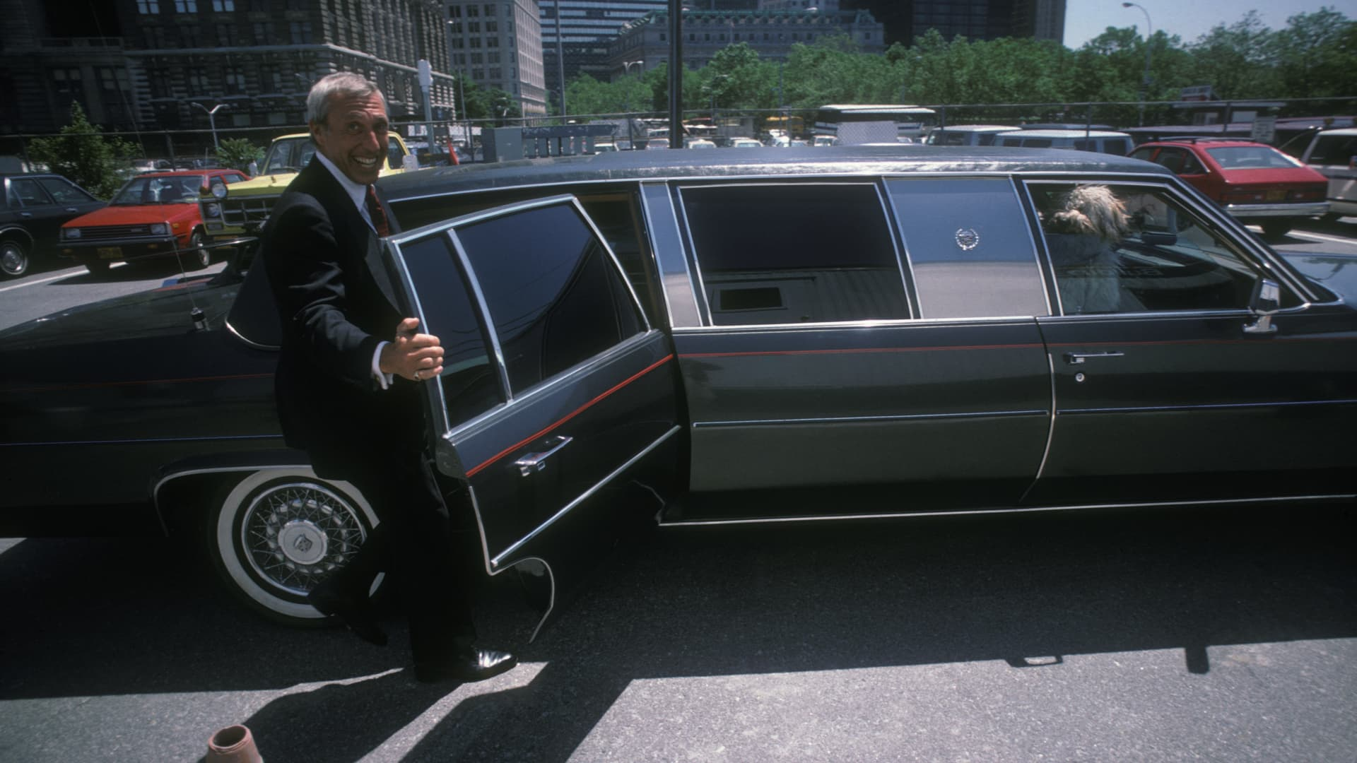 Ivan Boesky enters his limousine in 1986.