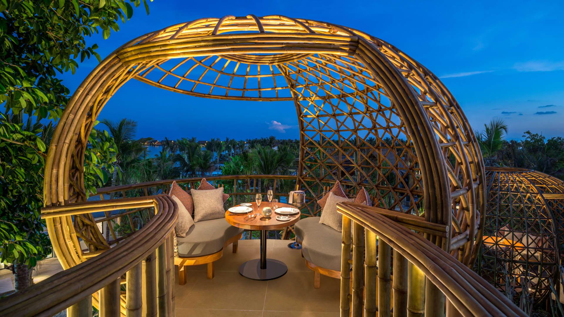 Restaurant Terra at Waldorf Astoria Maldives Ithaafushi.