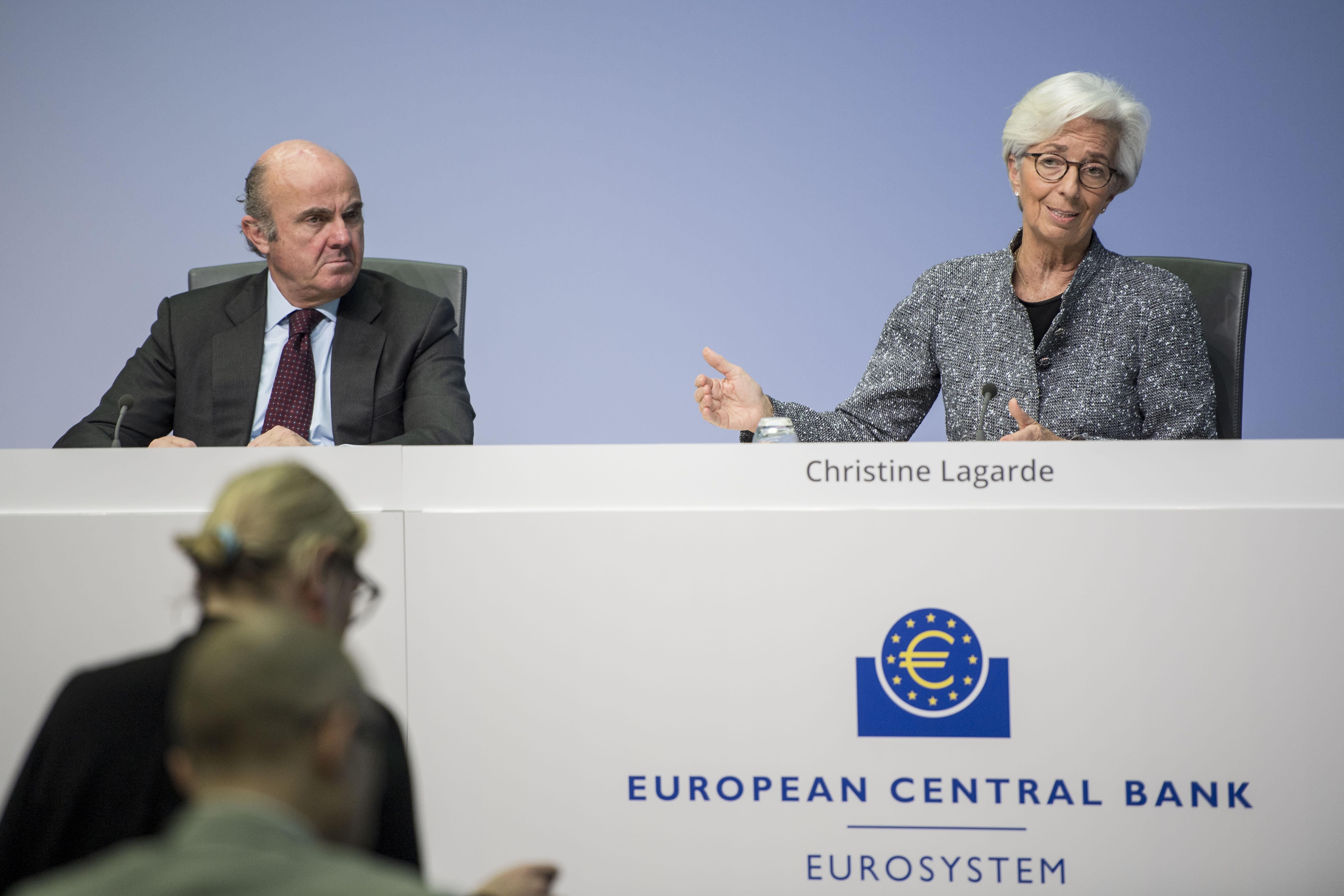 ECB warns bank profits will 'remain weak' throughout next year - CNBC