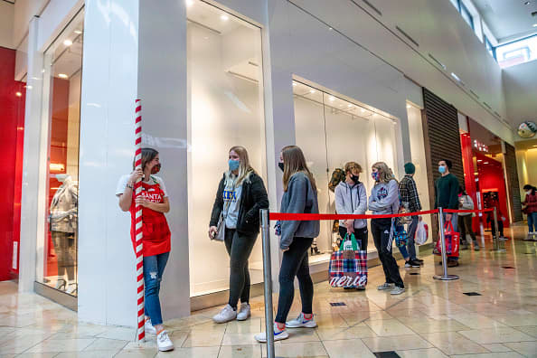Black Friday 2020 online shopping surges 22% to record $9 billion Adobe says – CNBC