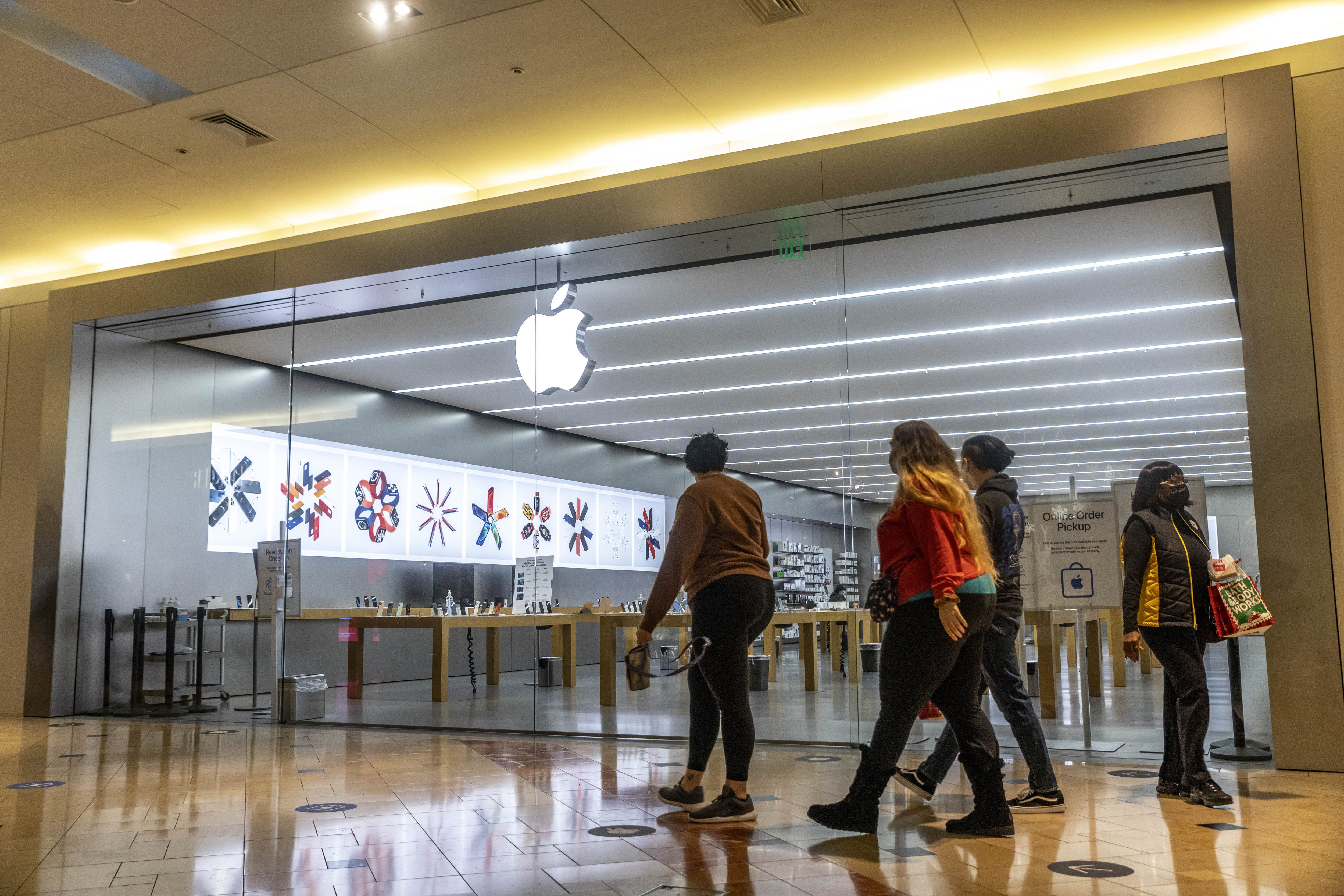 Gene Munster, who called Apple's run to  trillion, says a path to  trillion is in sight